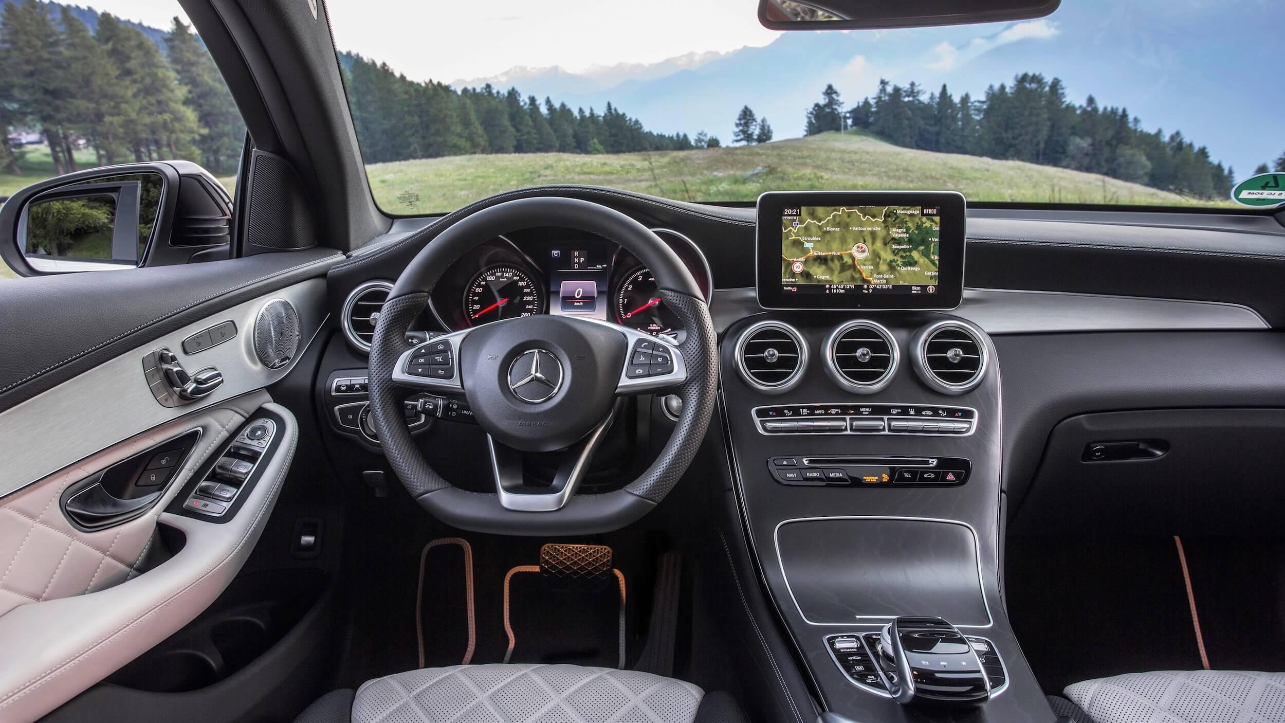 Mercedes GLC dashboard