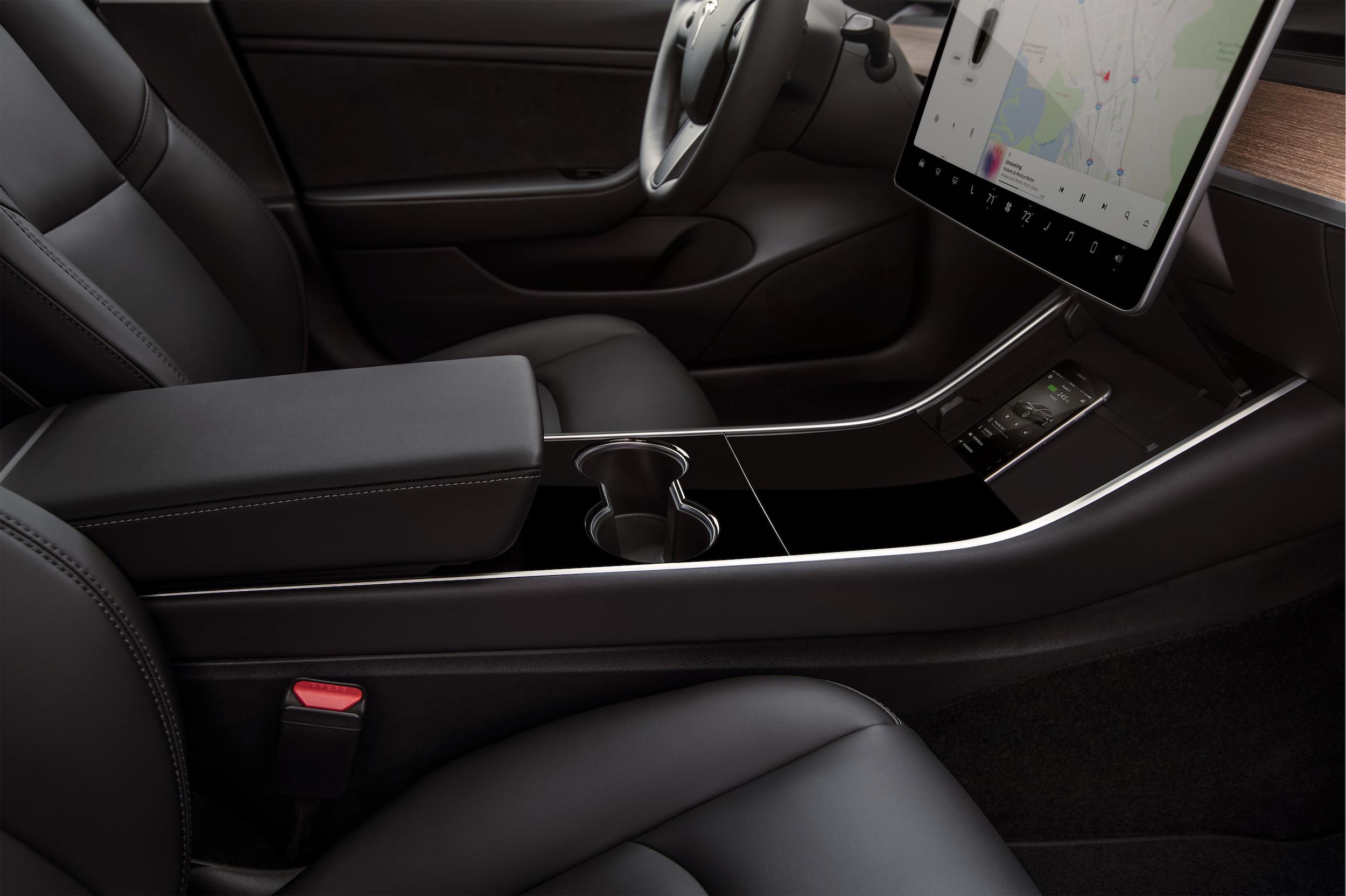 Model 3 – Interior Phone Dock