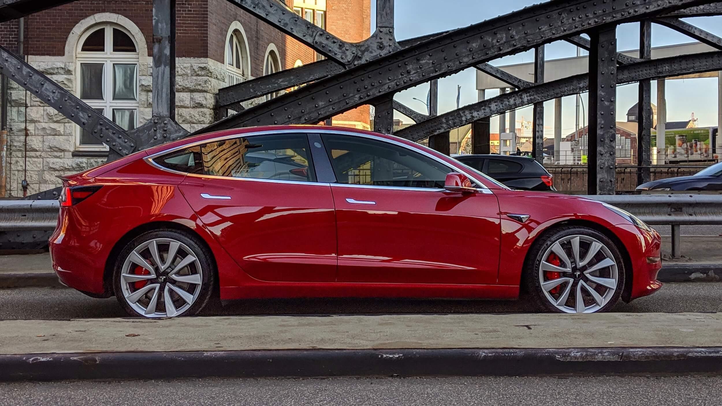 Model 3 op brug