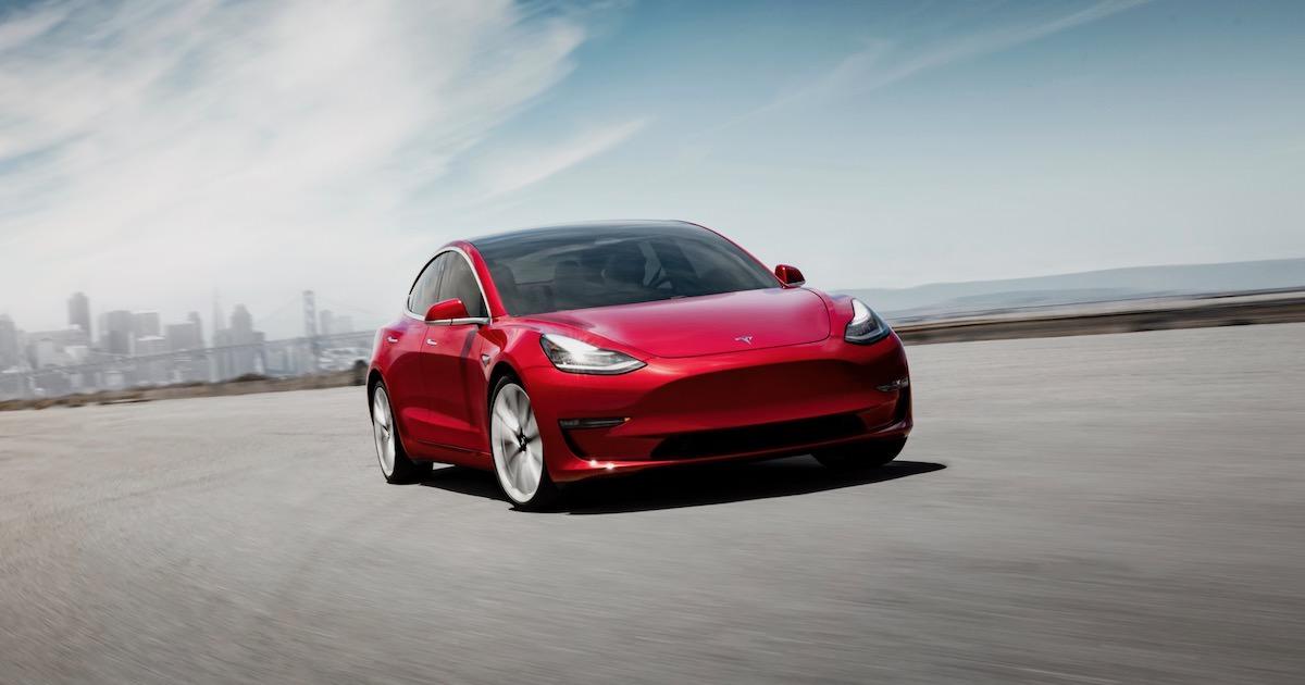 Tesla Model 3 autosalon Parijs 2018 FB
