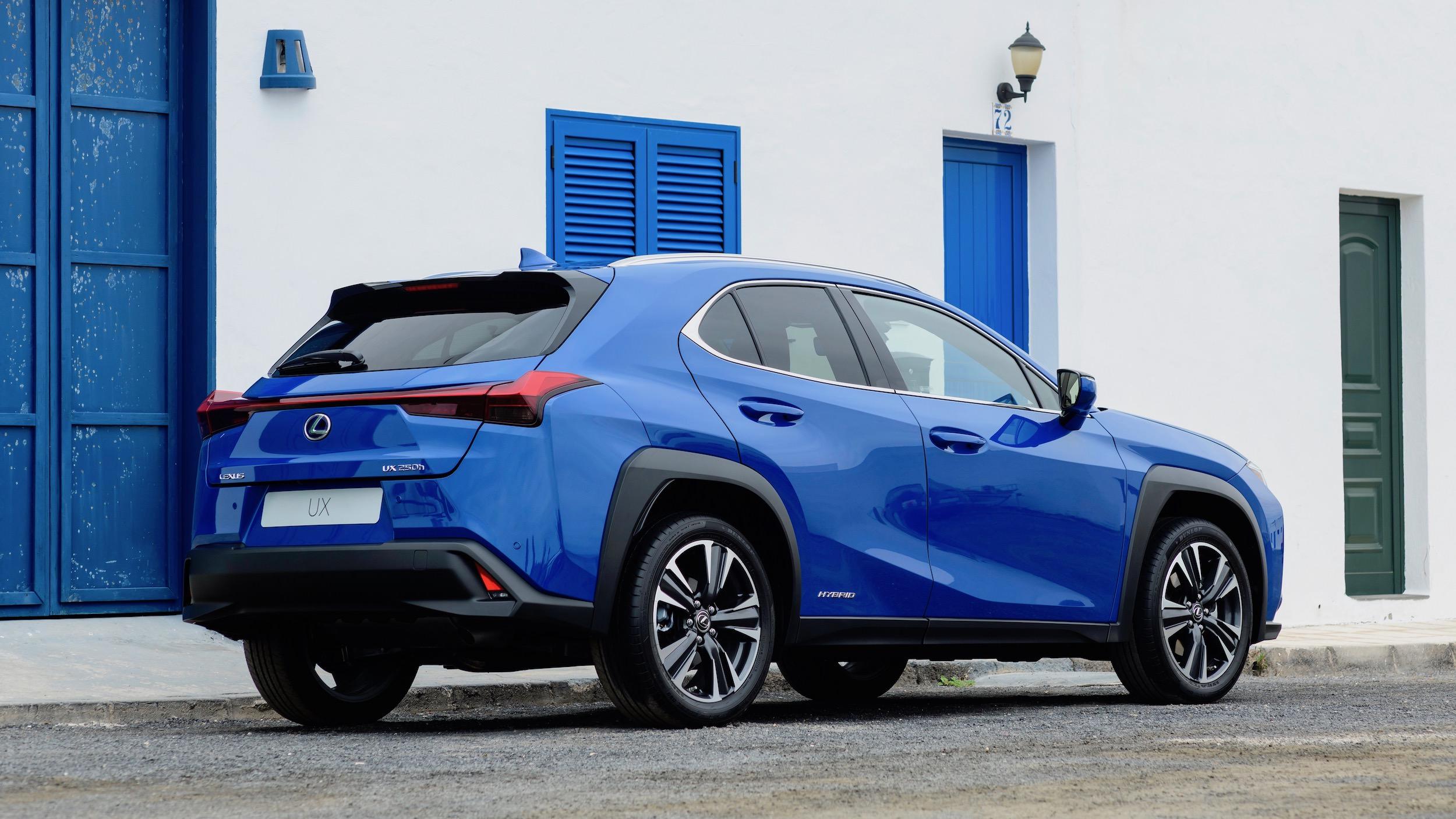 Lexus UX blue