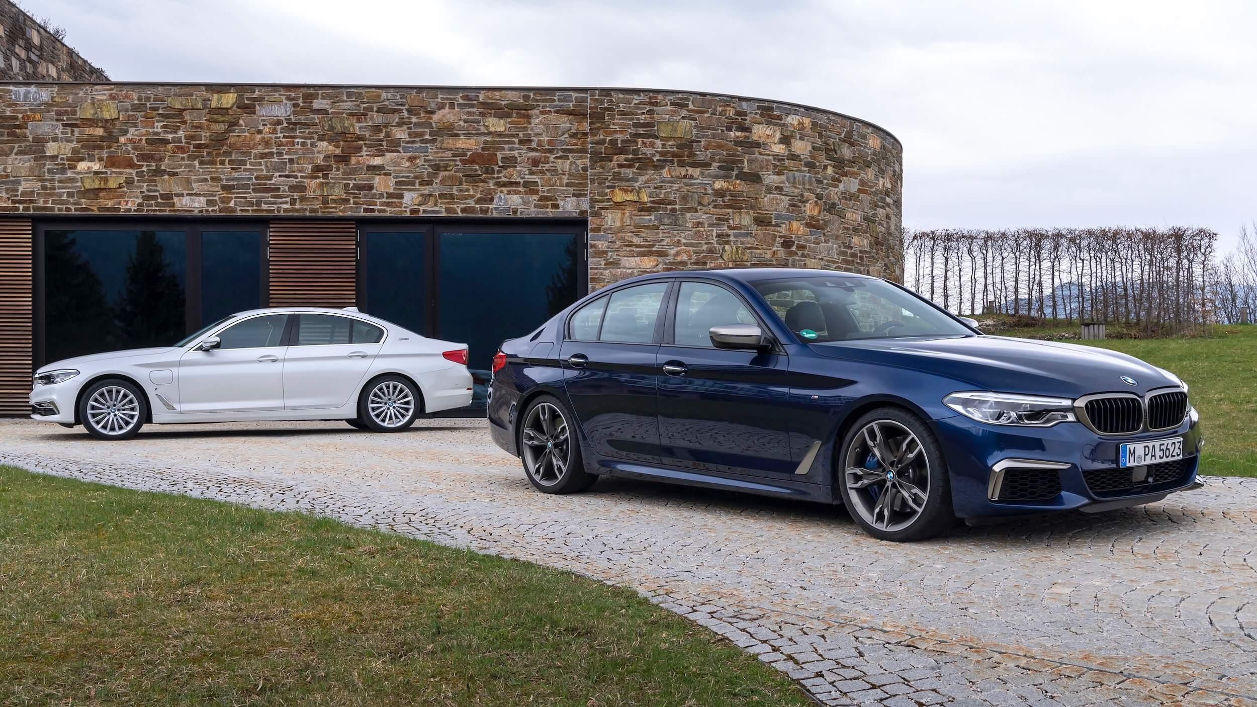BMW 530e blue