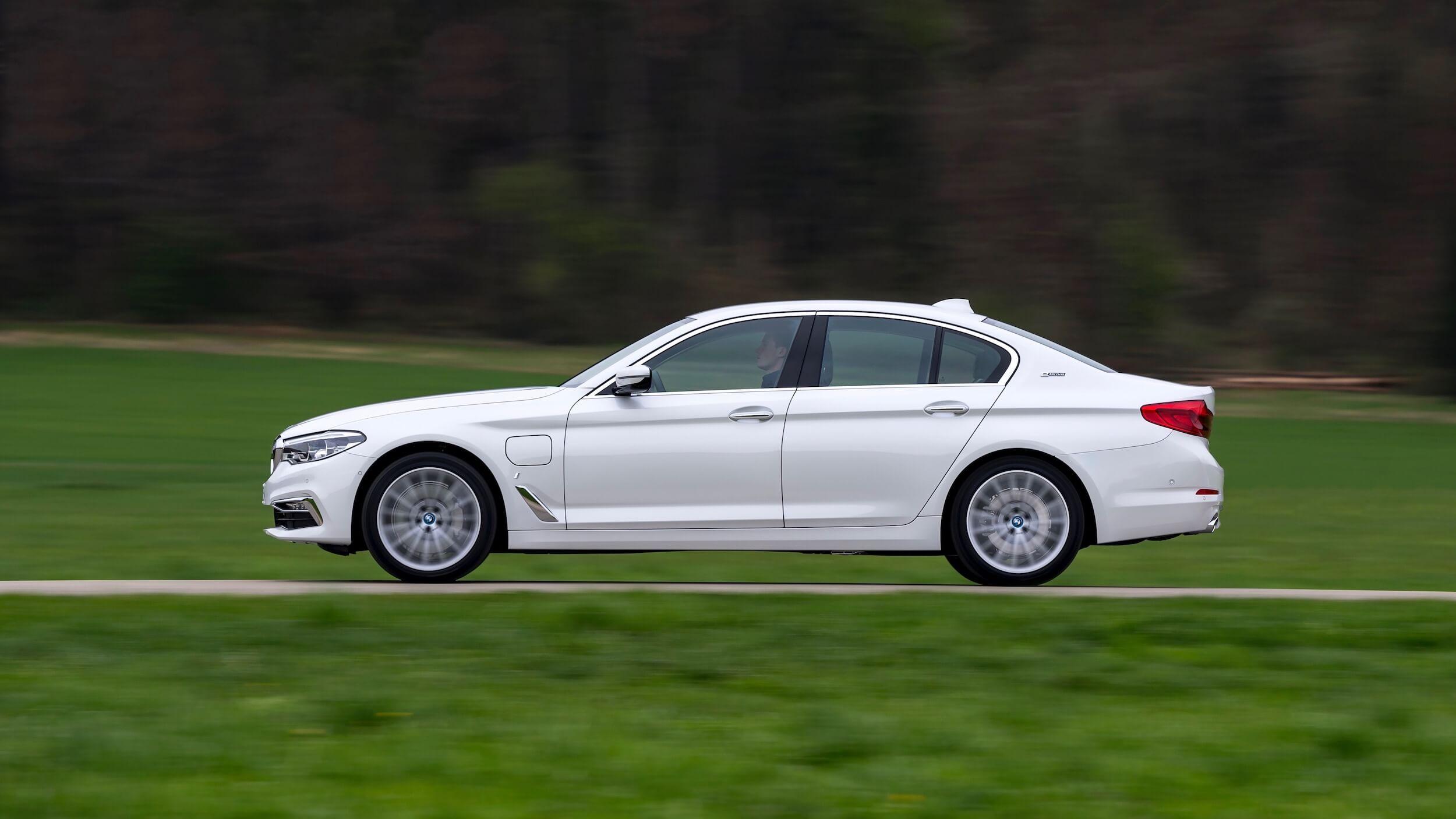 BMW 530e side