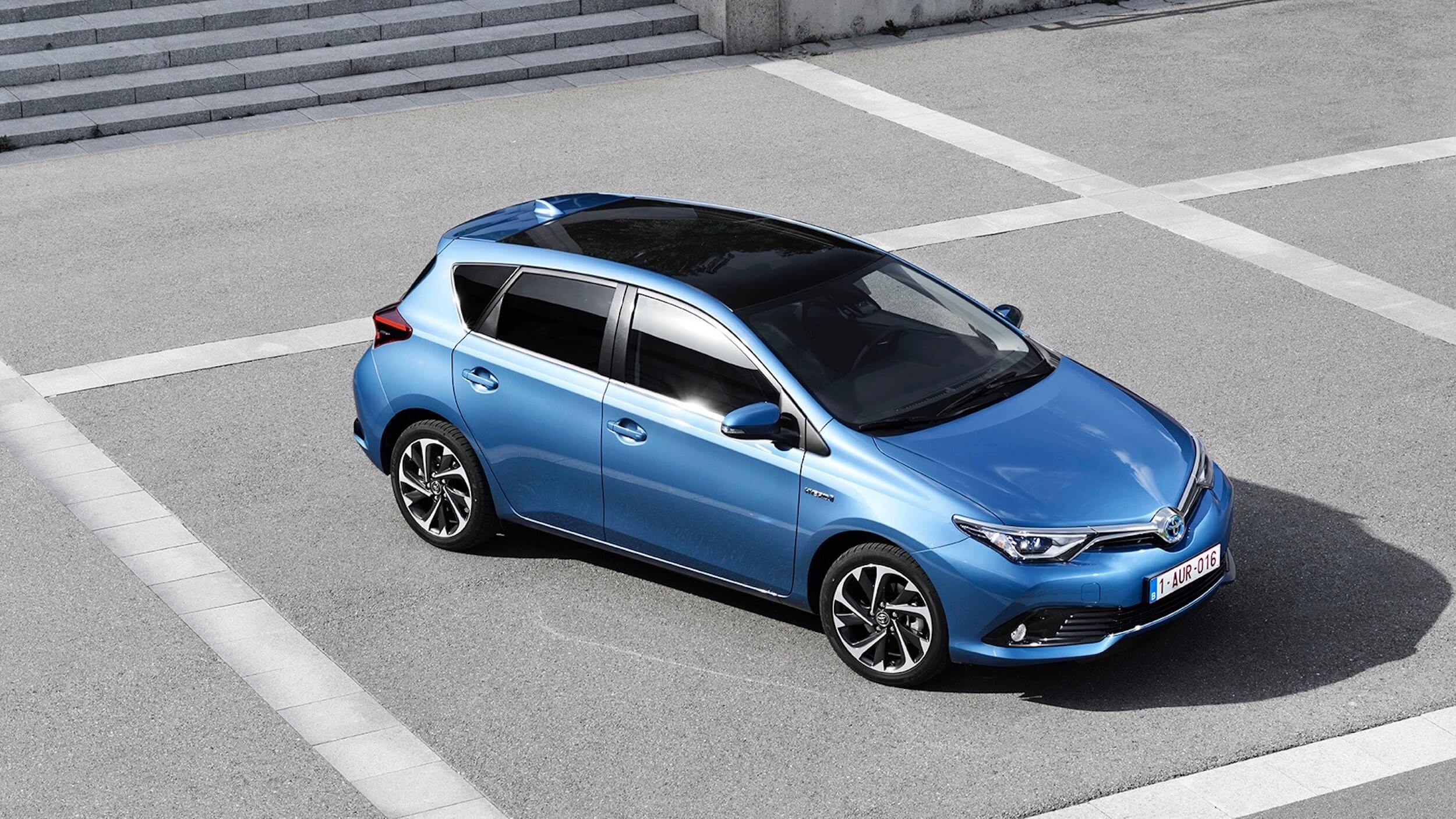 Blauwe Toyota Auris