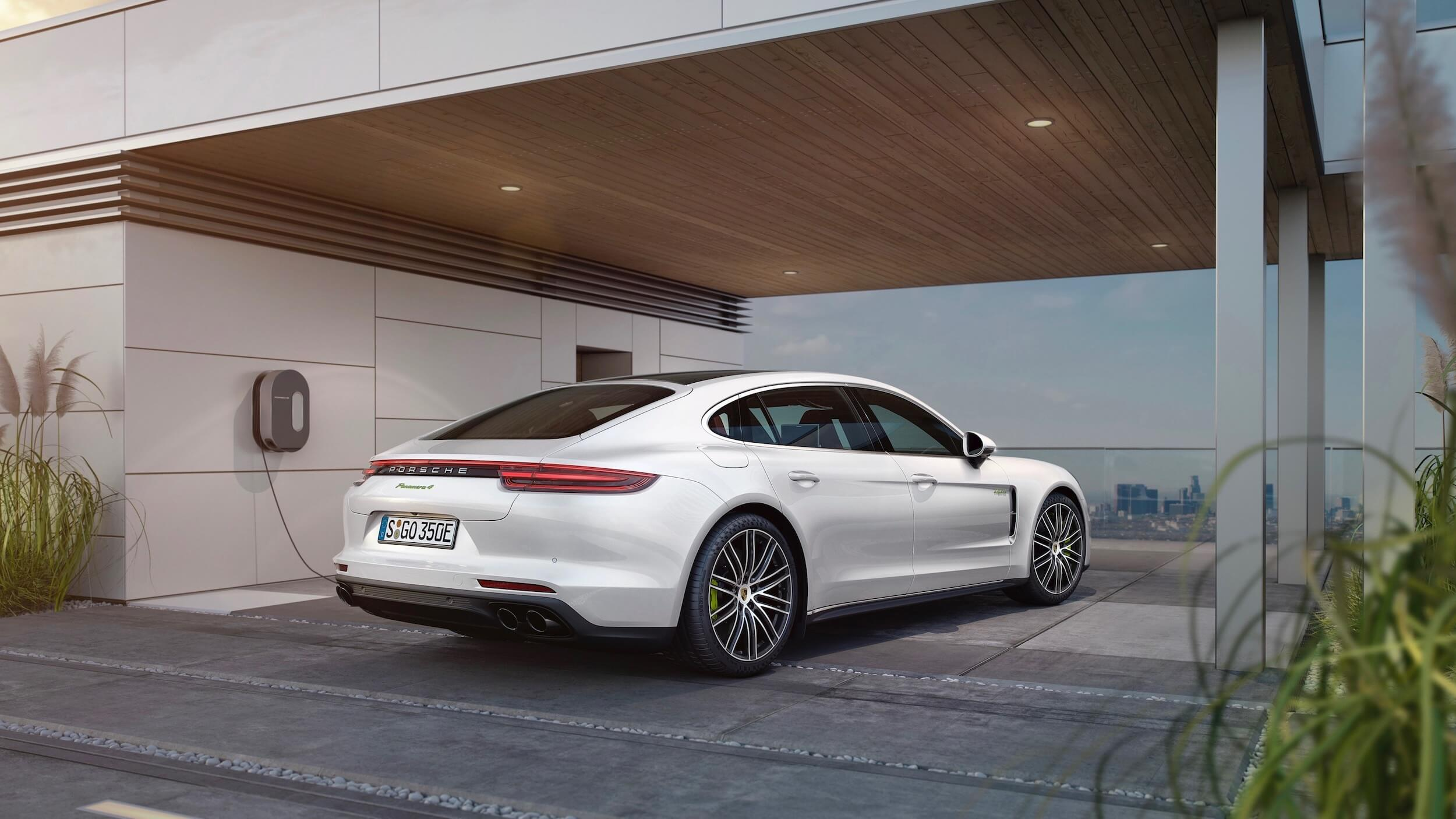 Porsche Panamera wallbox