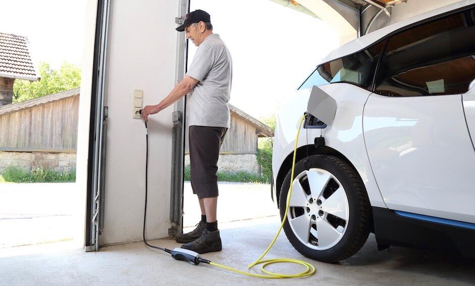 Thuisladen elektrische auto