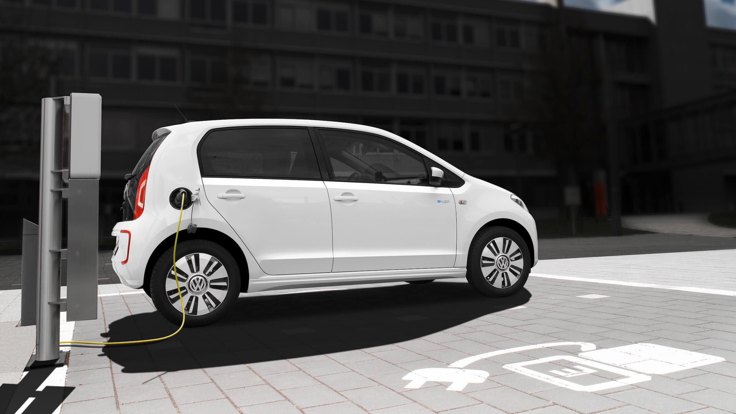 elektrische Volkswagen e-Up opladen