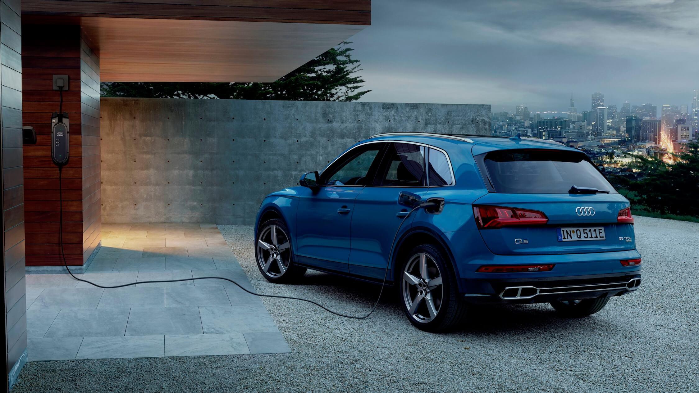 Hybride Audi Q5 opladen