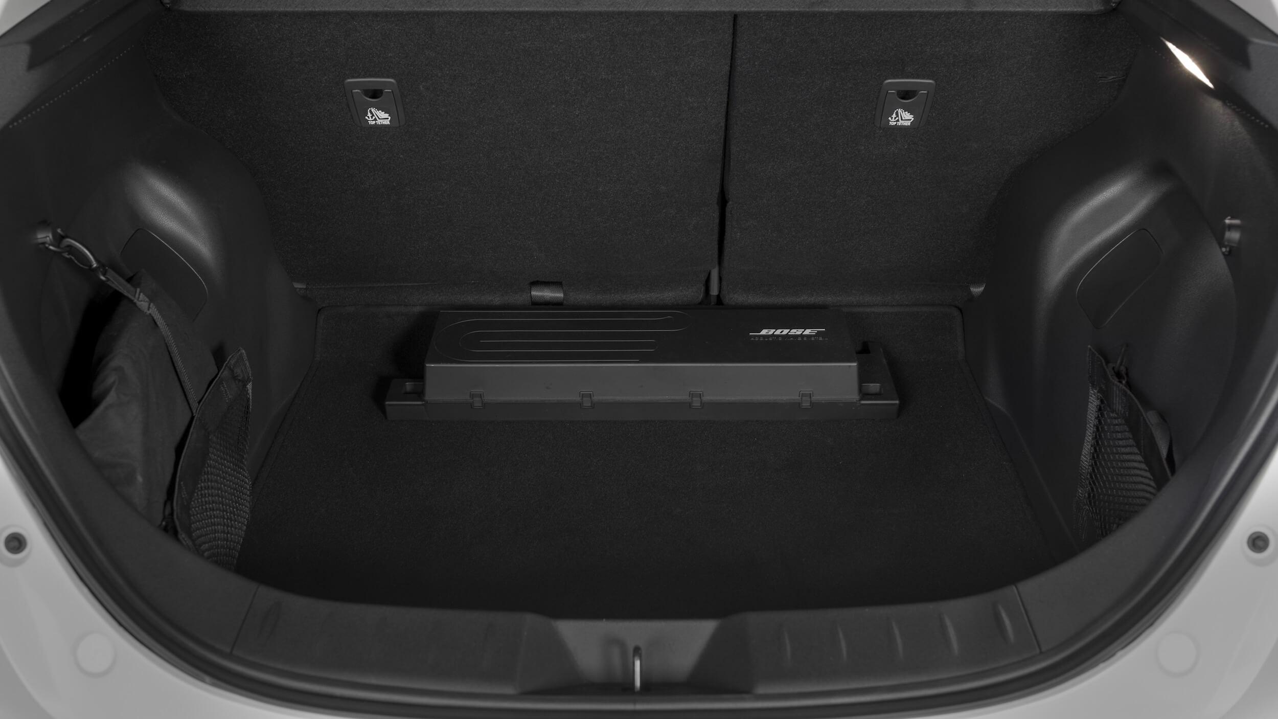 2019-Nissan-Leaf-koffer
