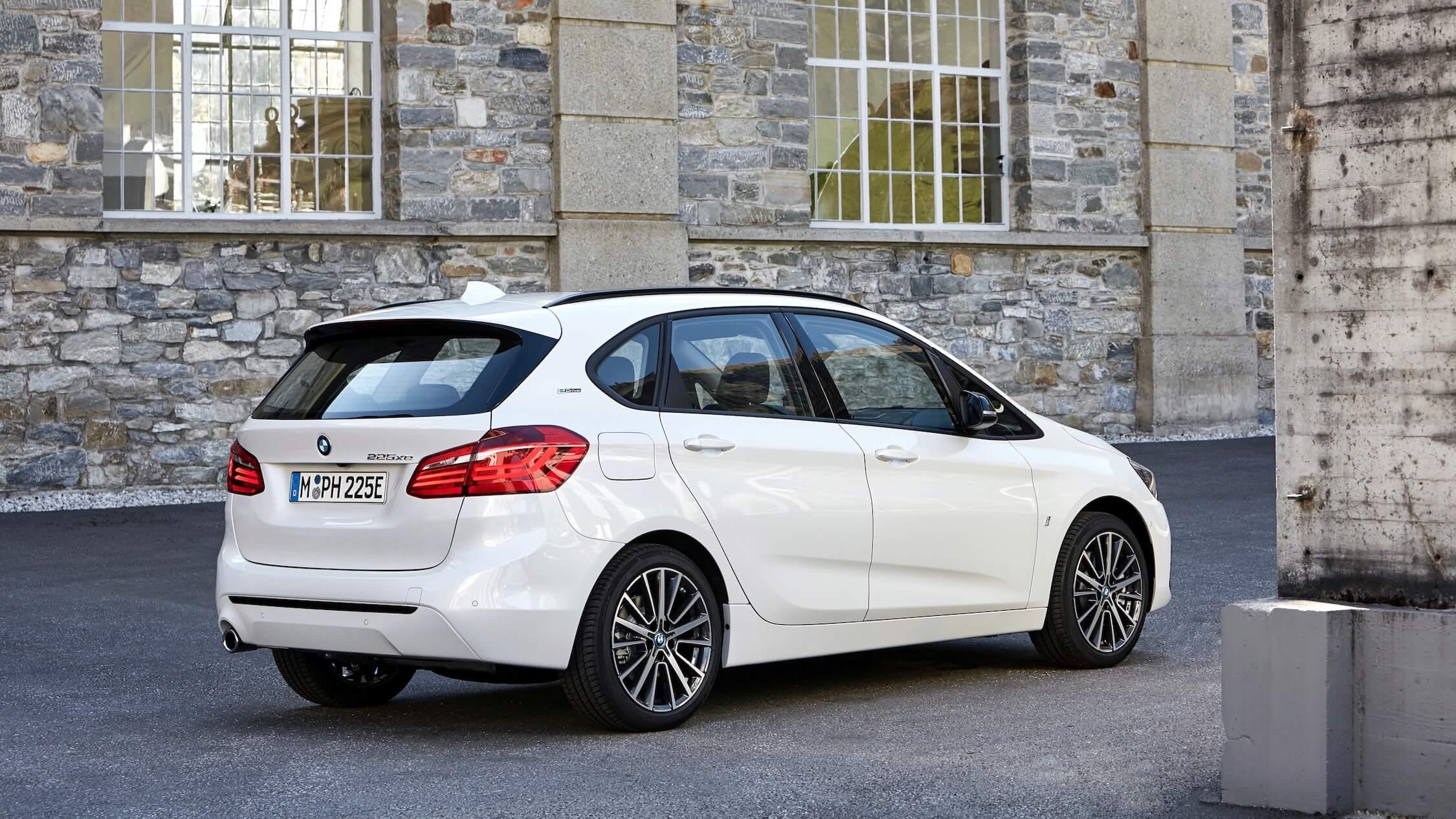 BMW 225xe 2019