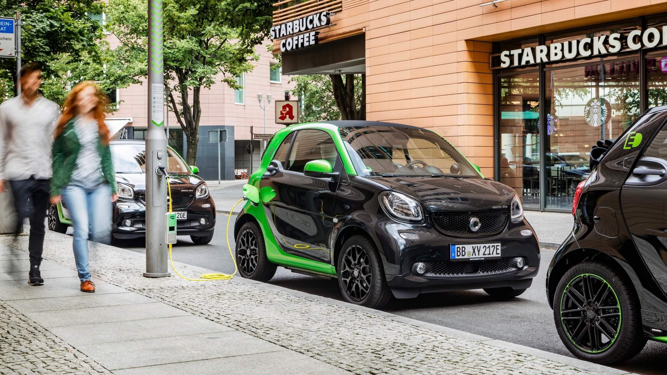 Elektrische Smart EQ opladen