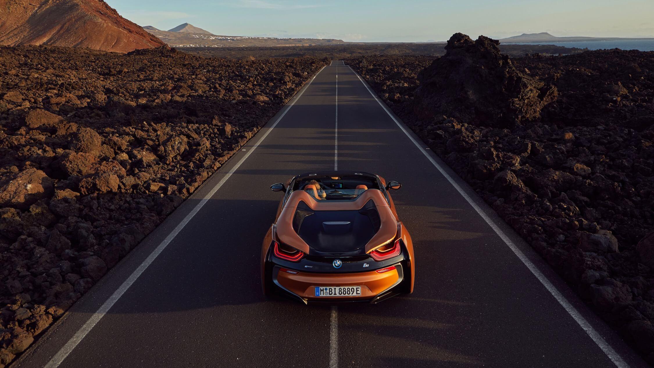BMW i8 roadster achterkant