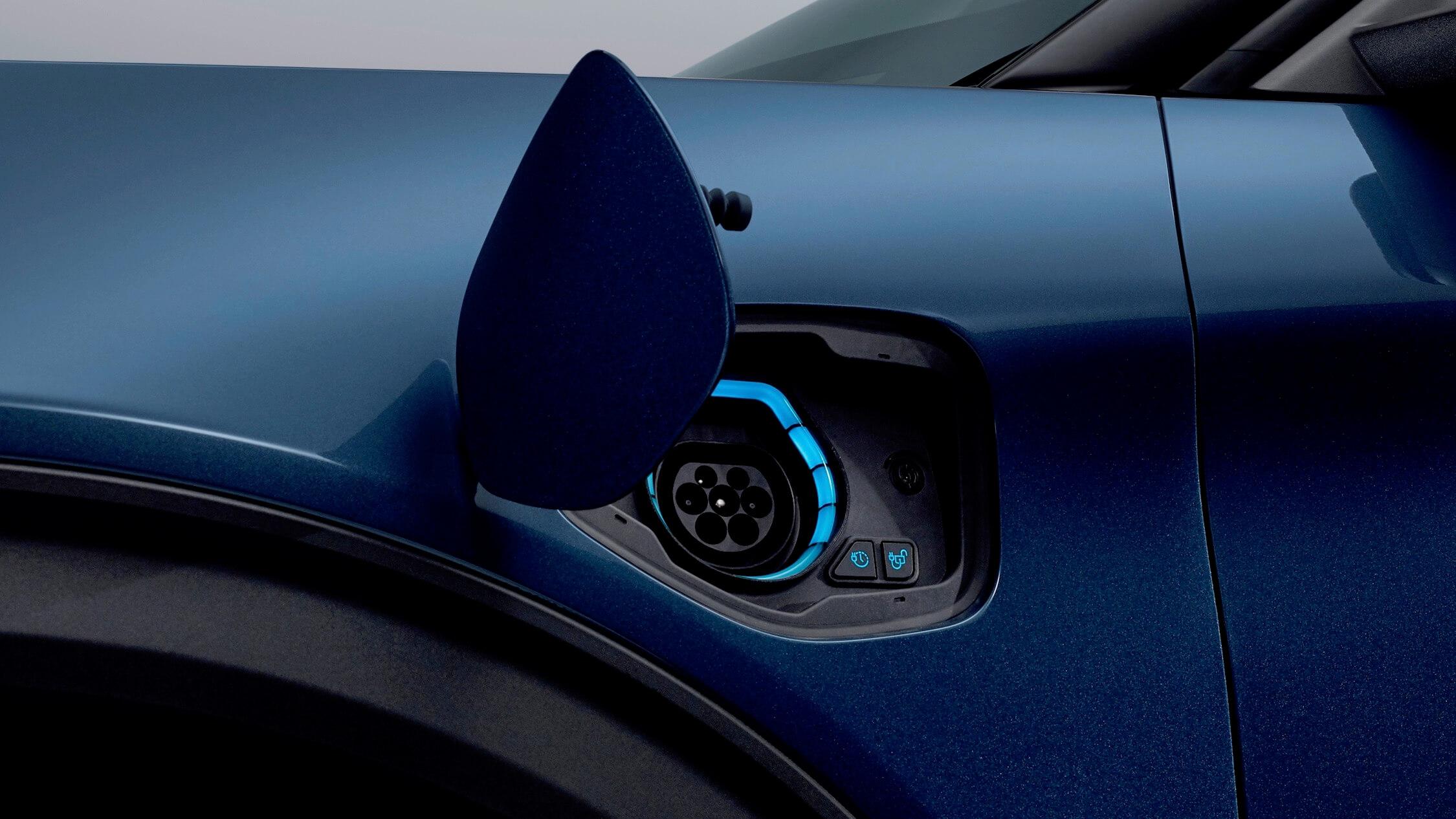 Hybride Ford Explorer opladen