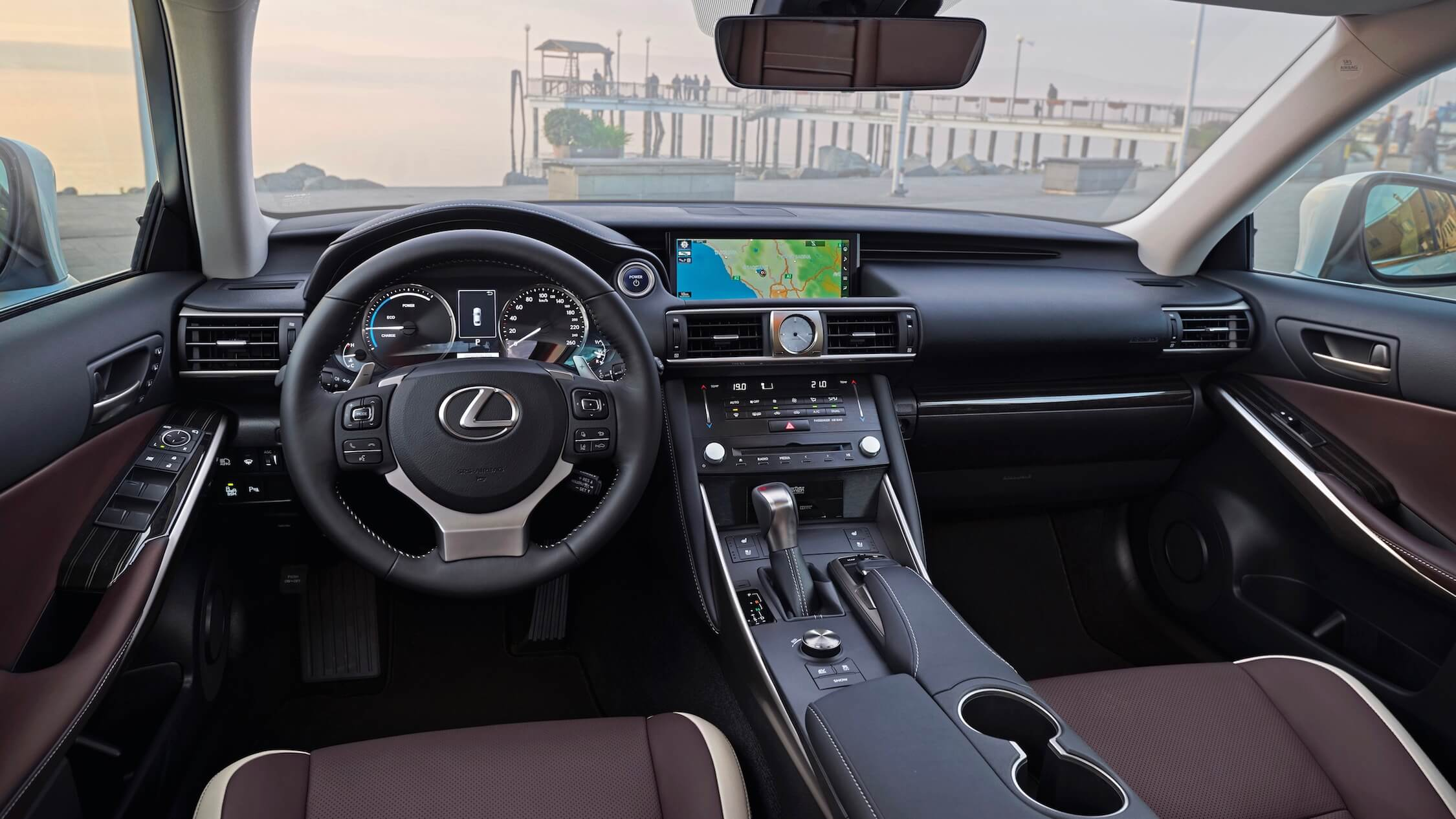 Hybride Lexus IS 300h interieur