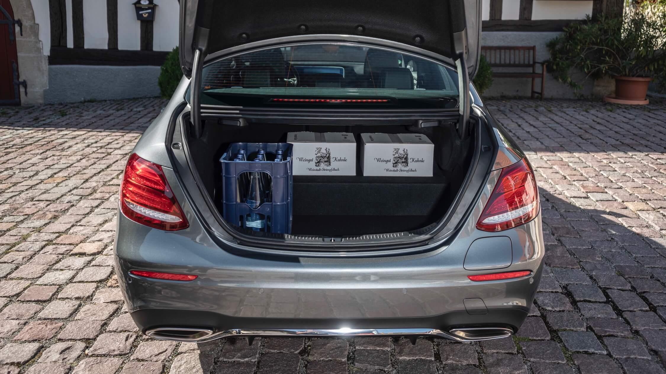 Hybride Mercedes E 300e koffer