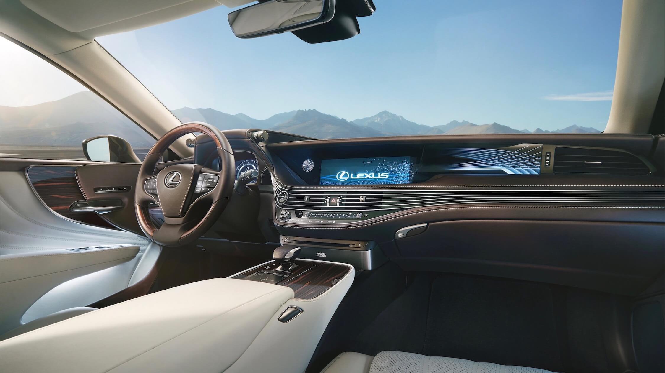 Lexus LS 500h dashboard