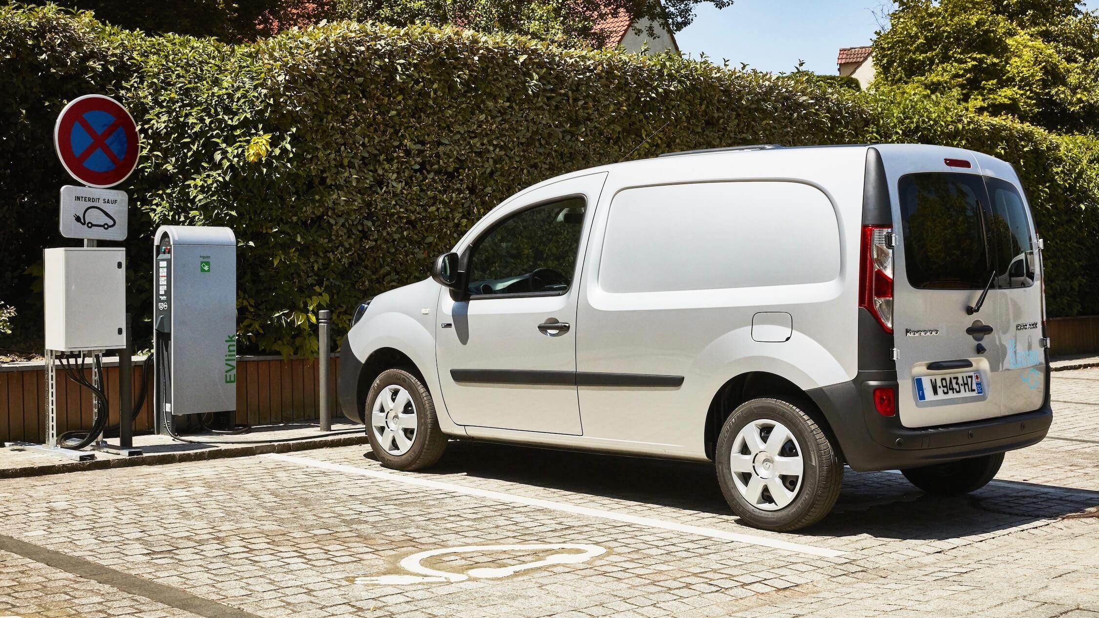 Opladen elektrische Renault Kangoo ZE