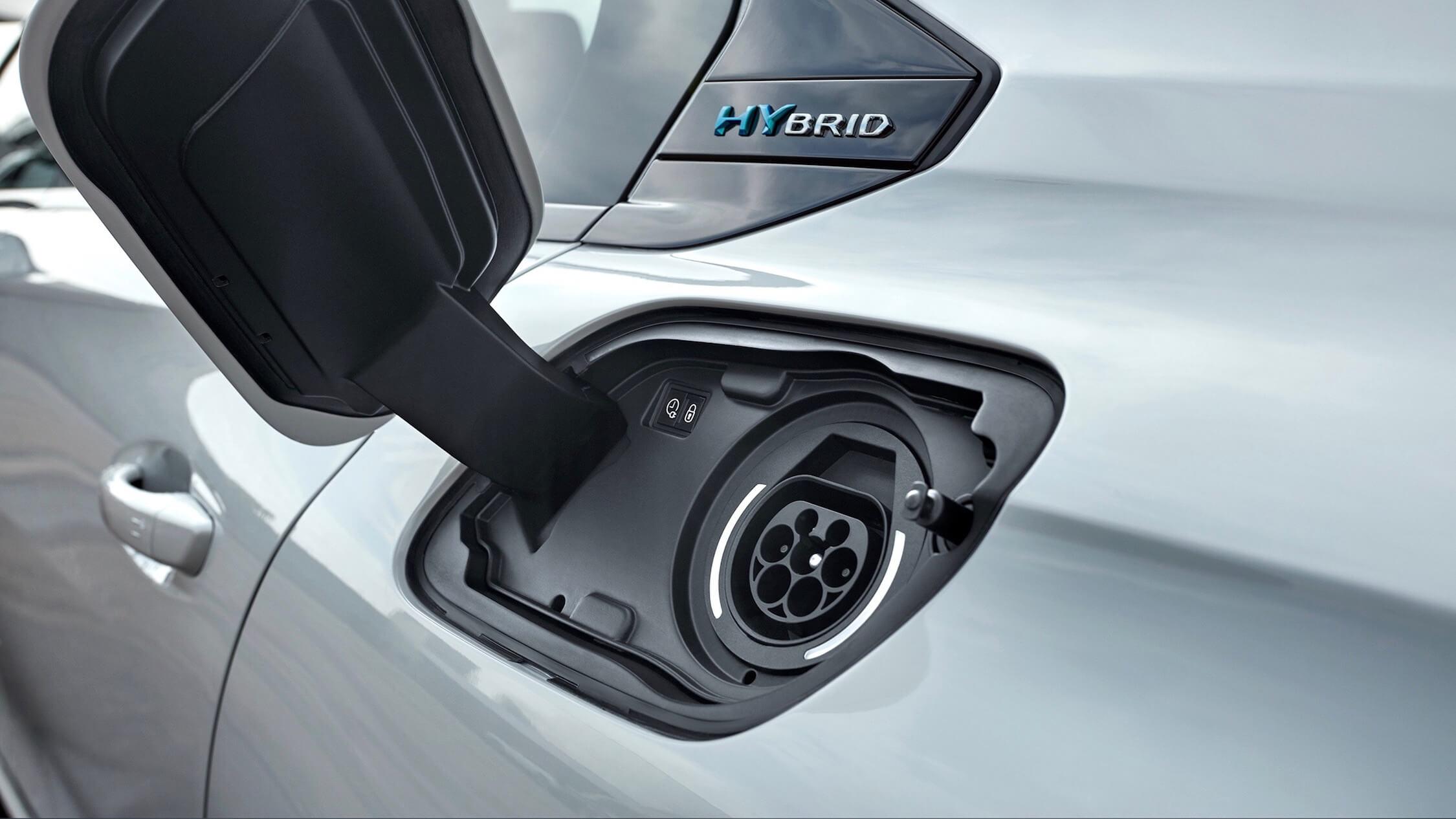 Peugeot 508 hybride laadplug