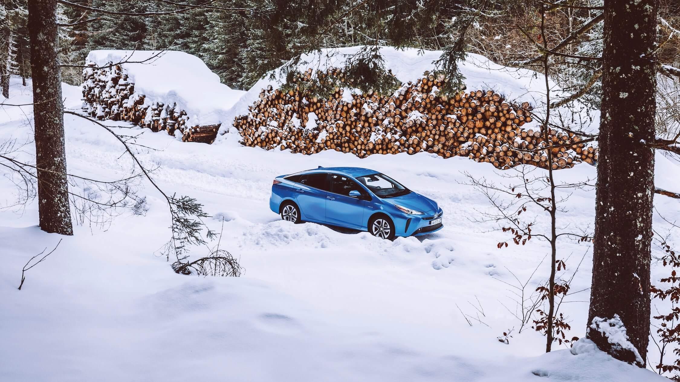 Toyota Prius 4×4 sneeuw