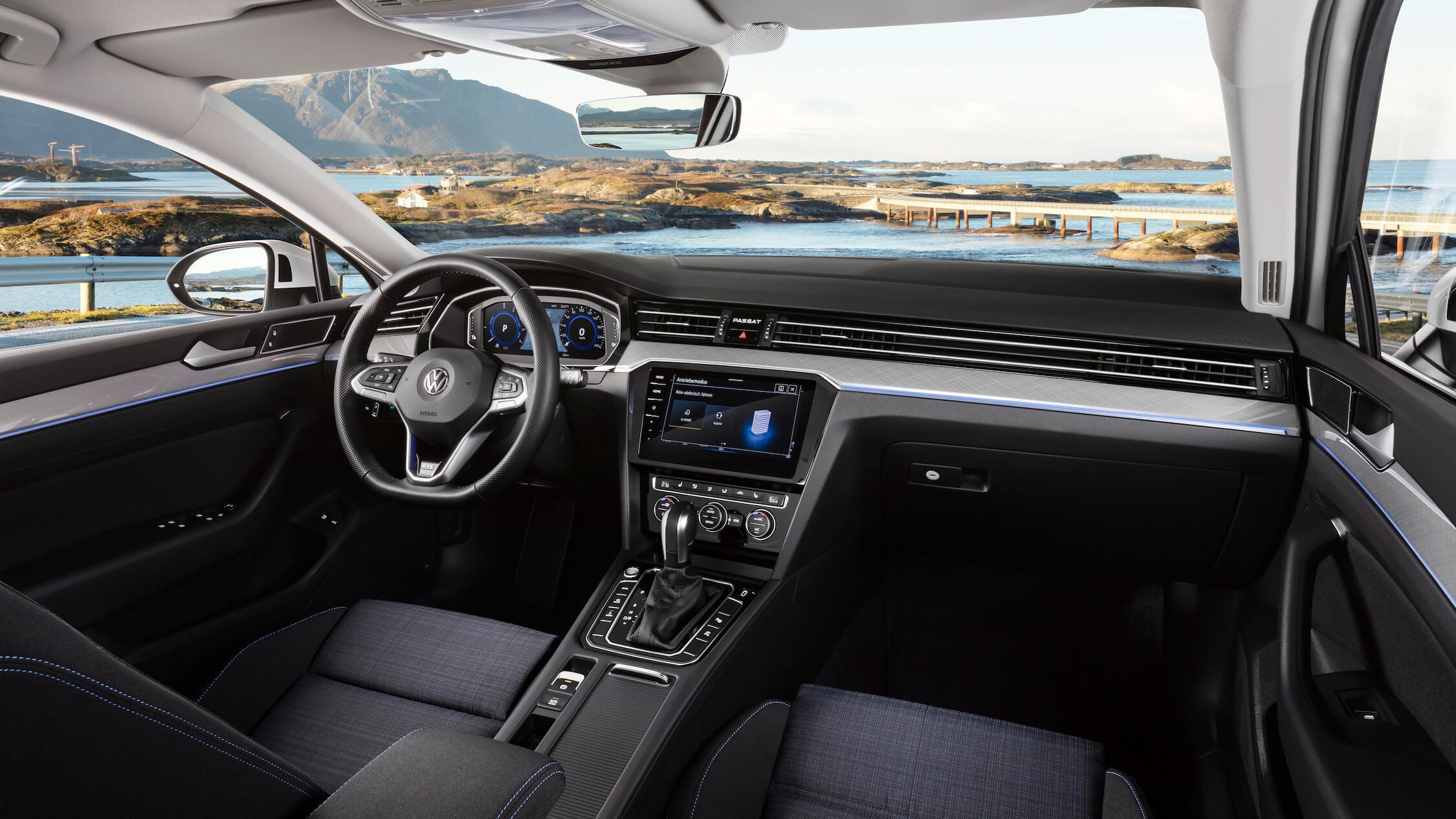 VW Passat GTE interieur