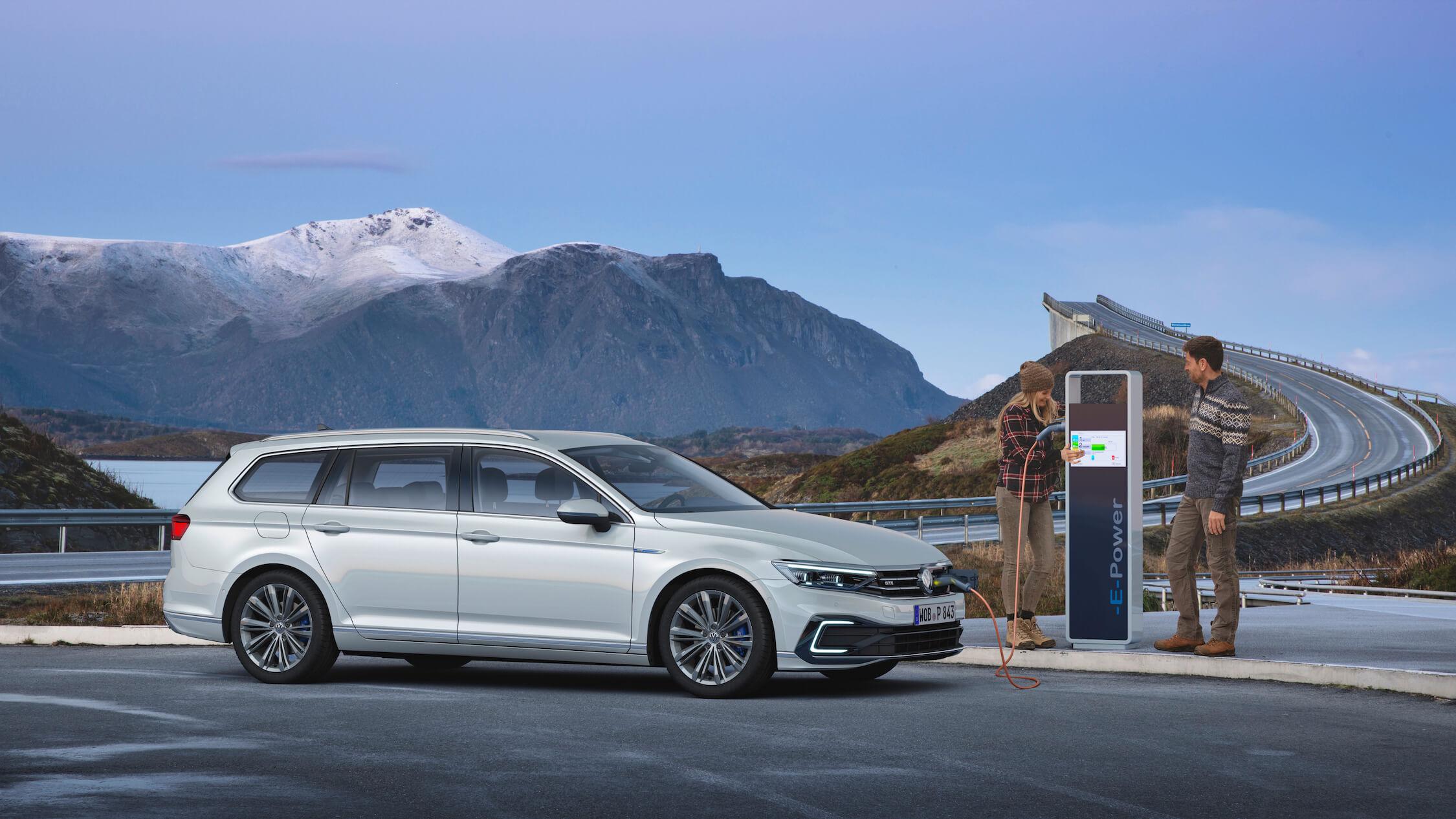 VW Passat GTE opladen