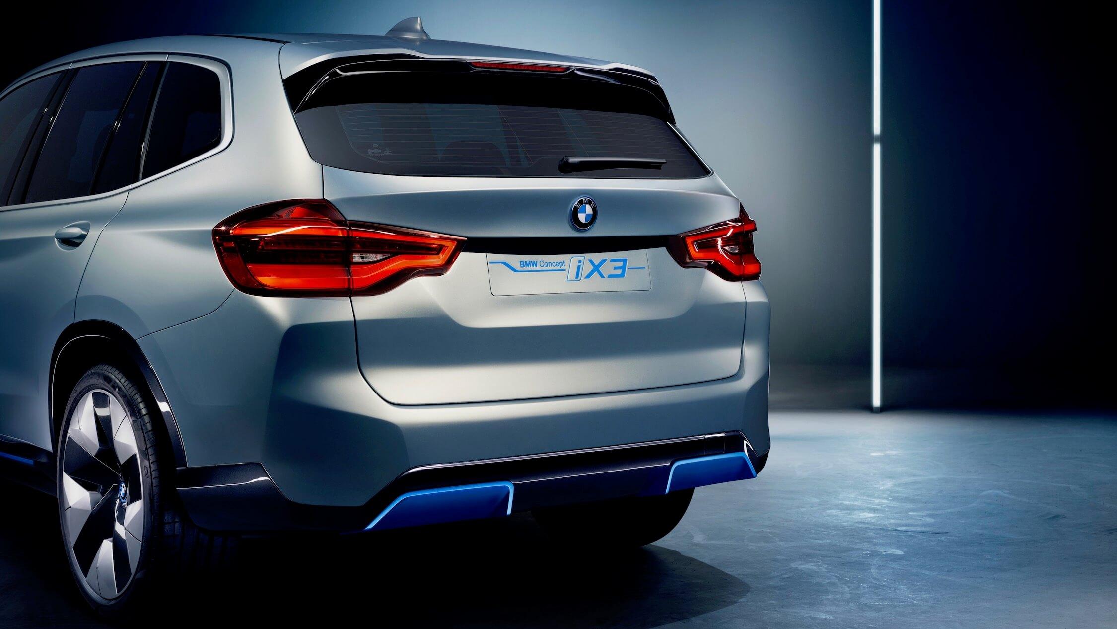 BMW iX3 achterkant