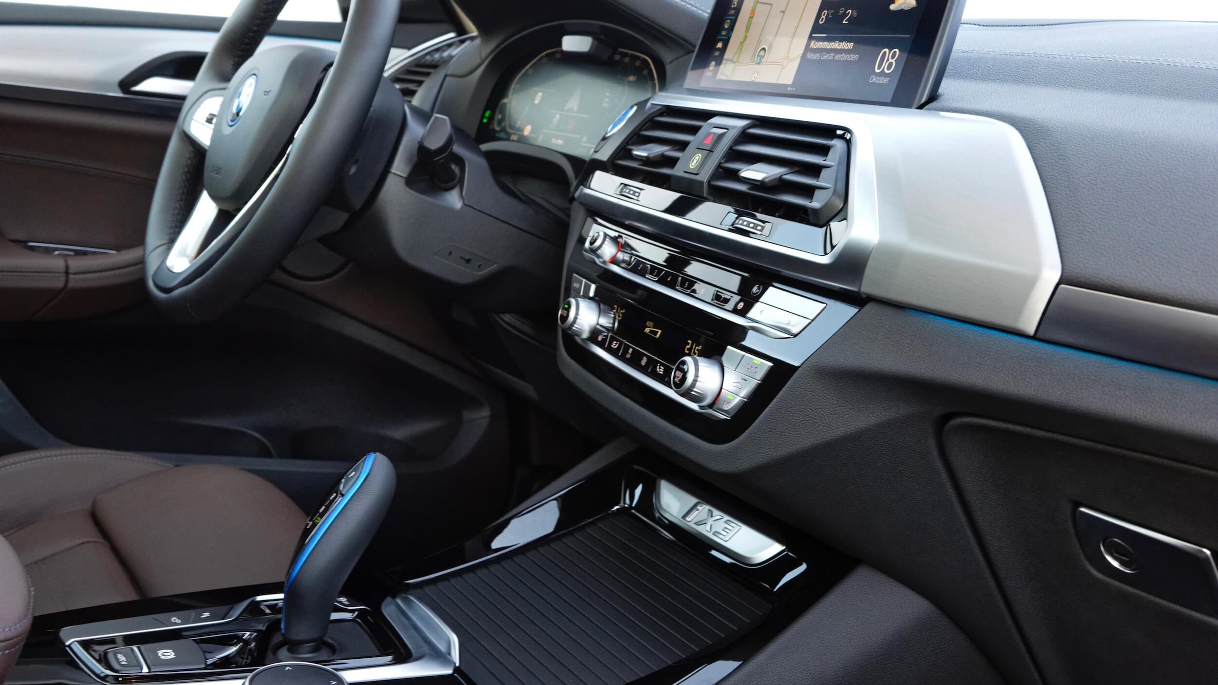 BMW iX3 dashboard