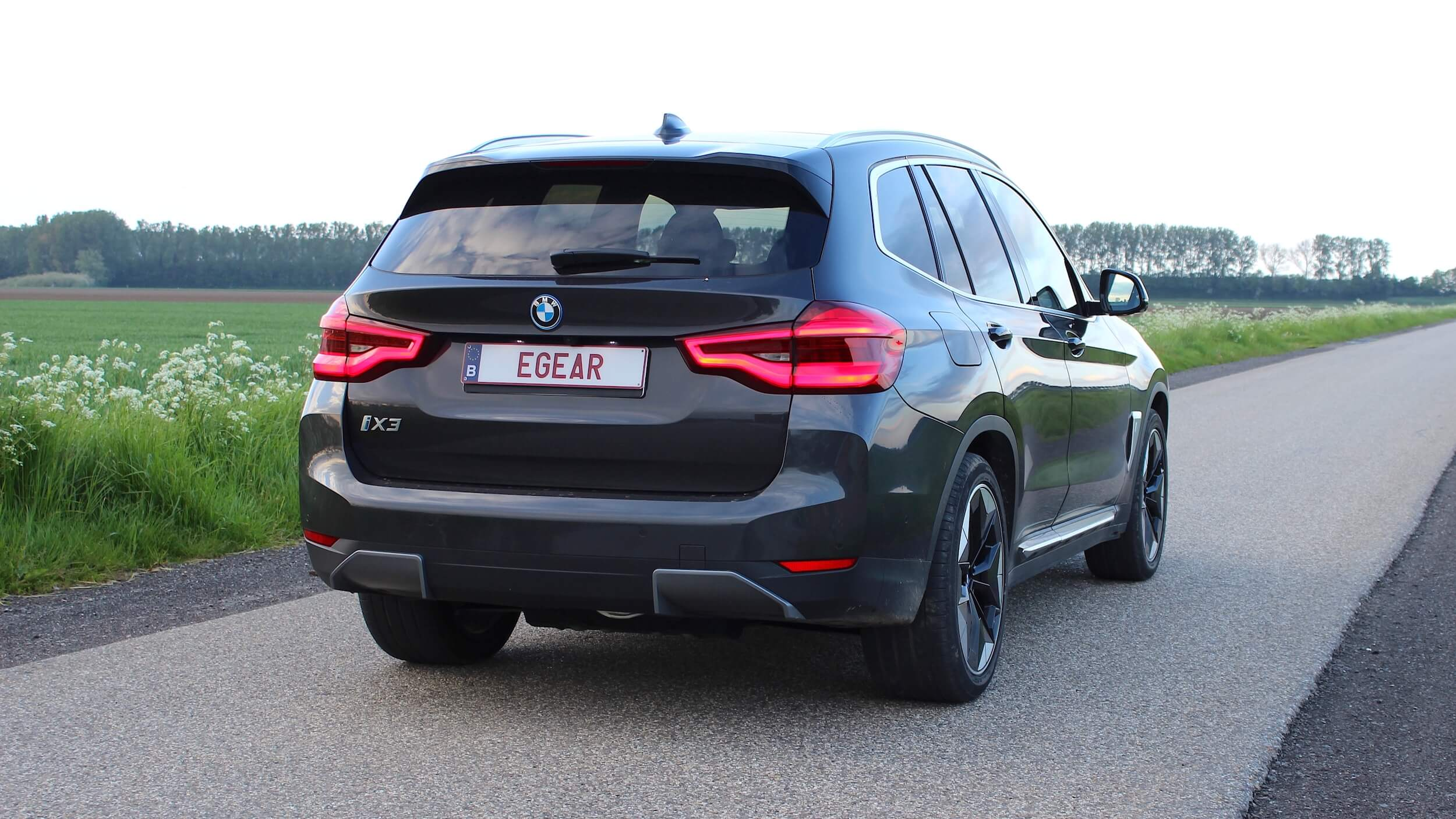 BMW iX3 met Belgische nummerplaat