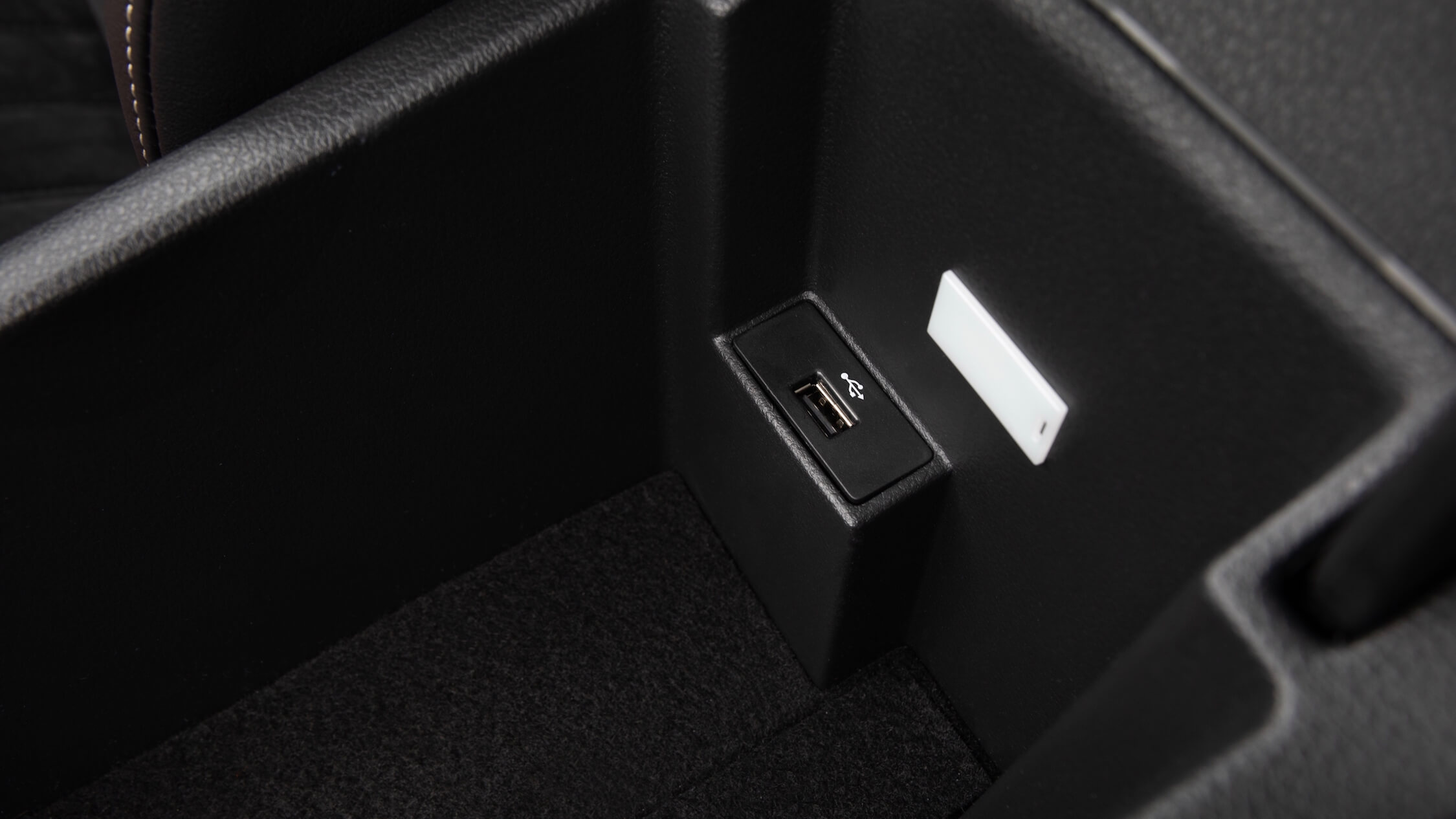 plug-in hybride Skoda Superb USB connector