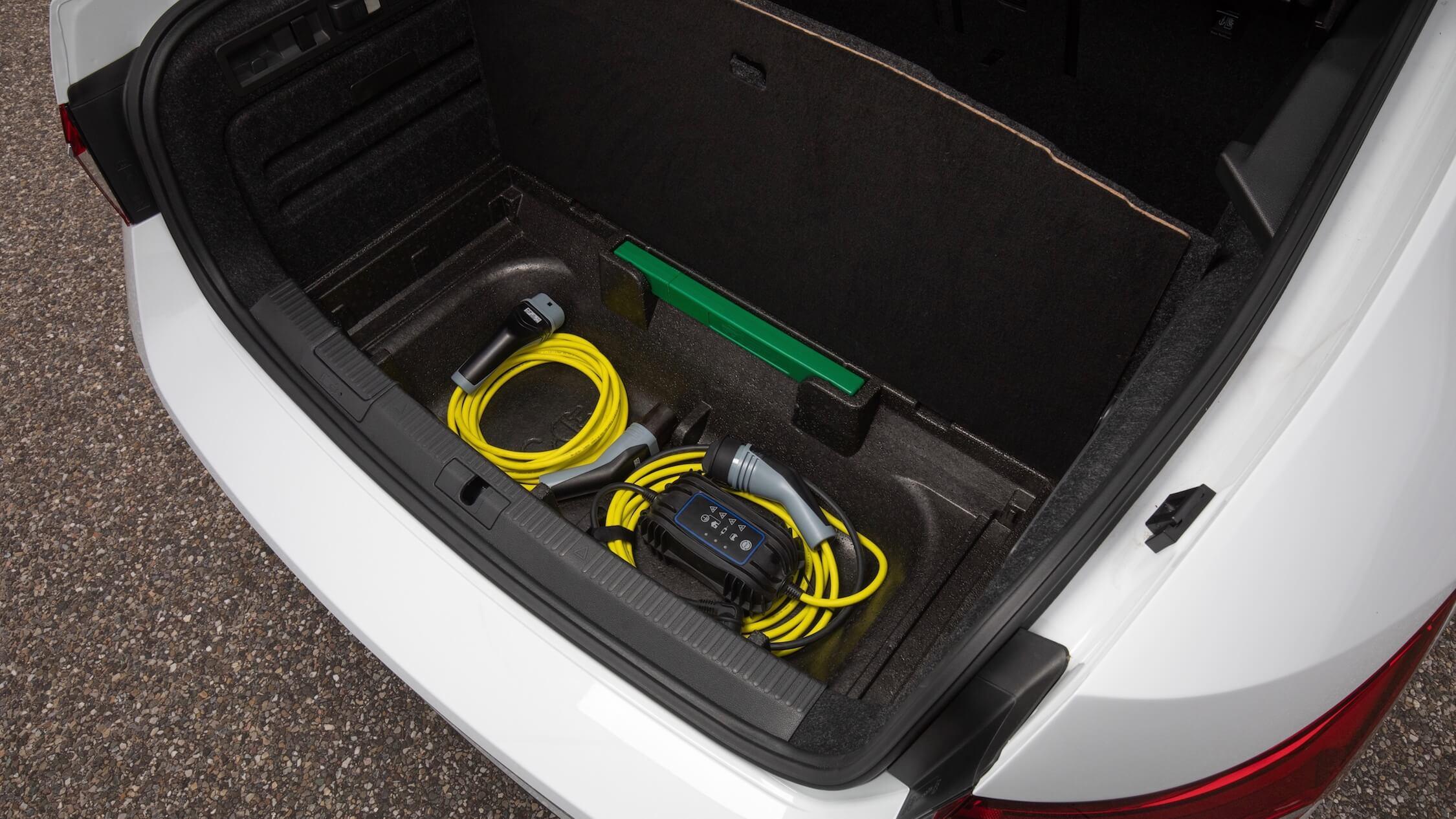 plug-in hybride Skoda Superb opbergruimte laadkabels