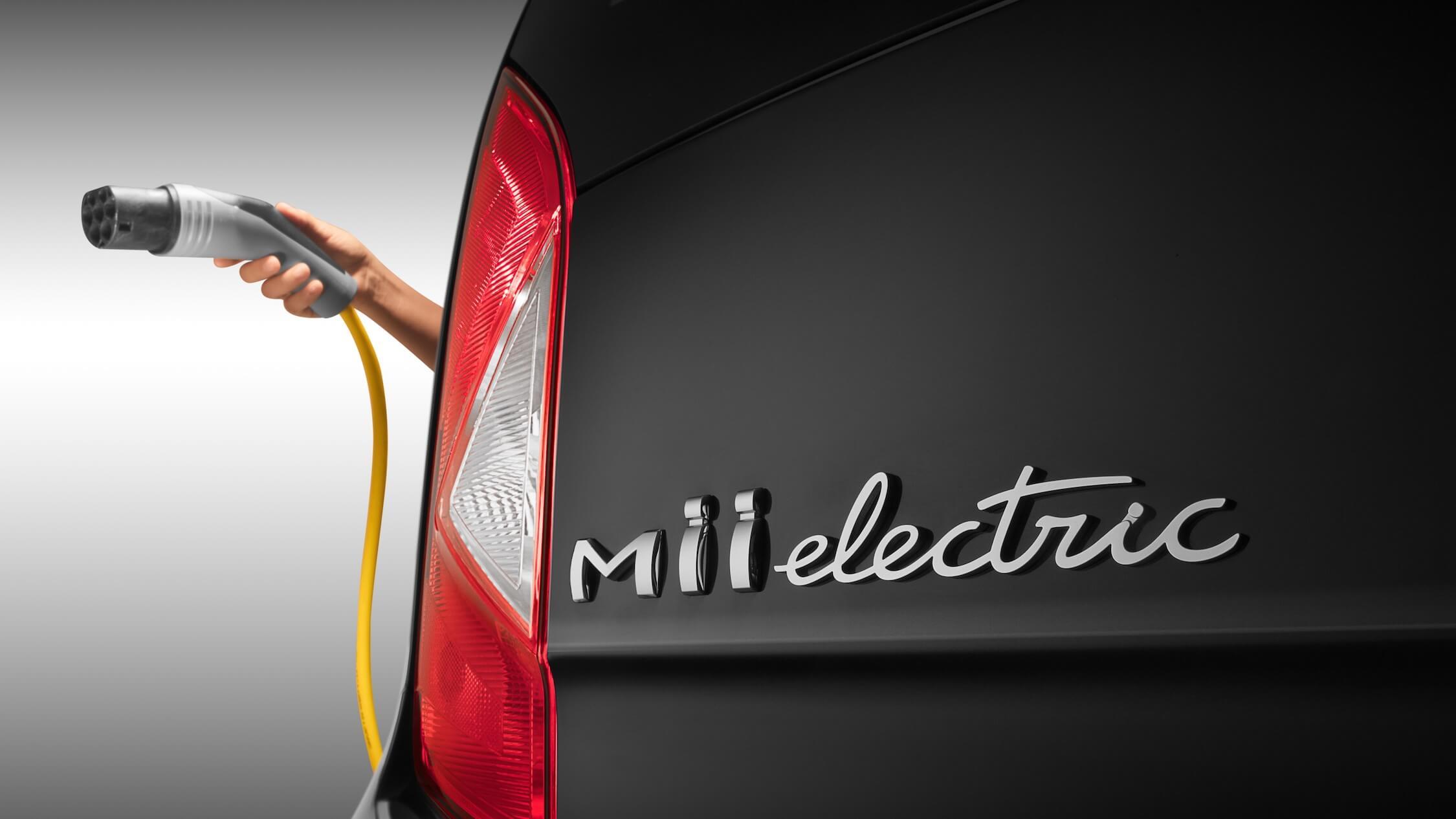 Seat Mii electric badge