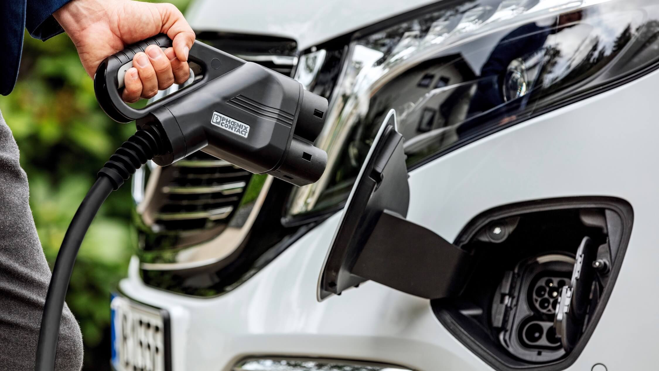 Mercedes EQV snelladen CCS