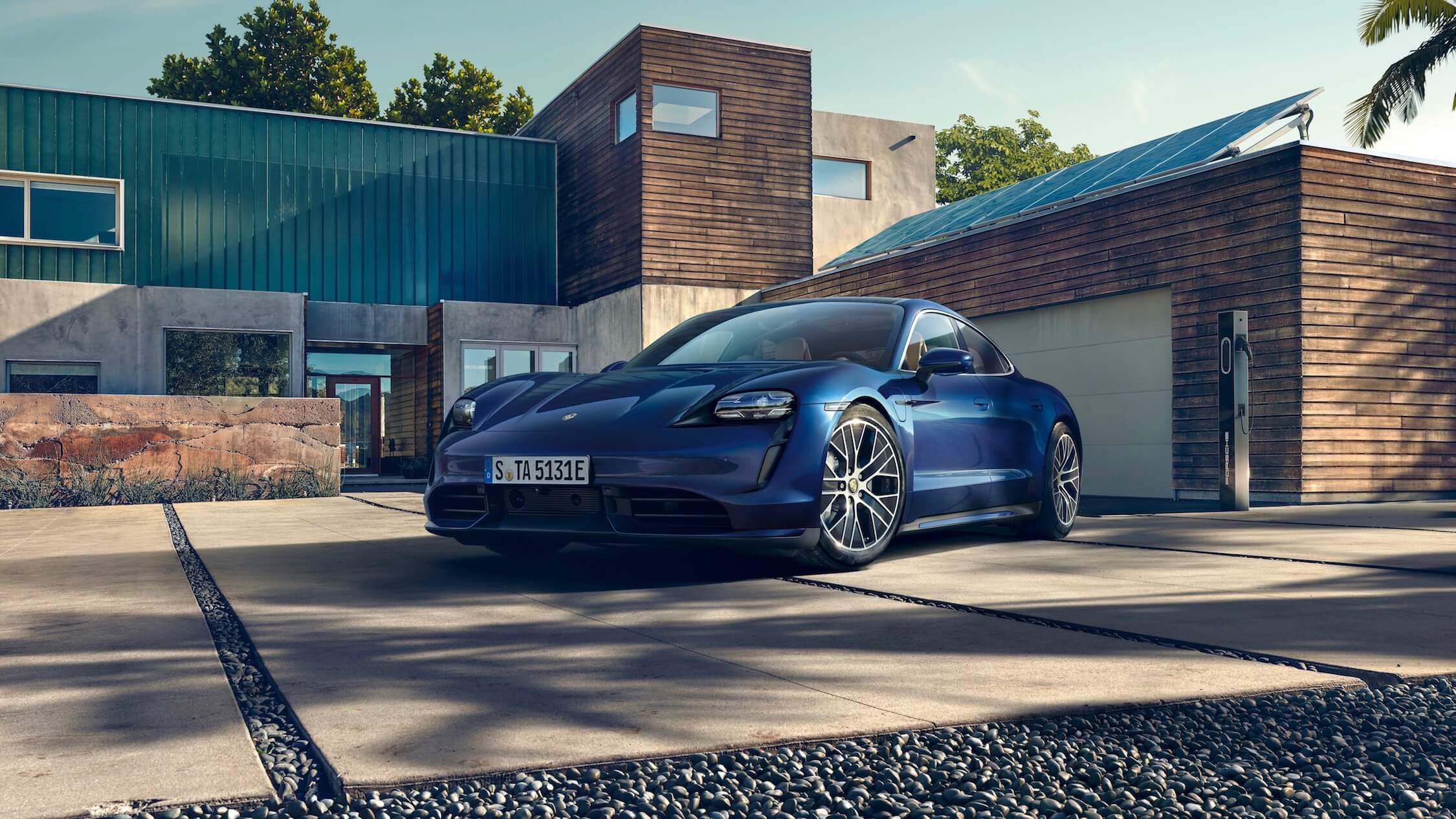 Porsche Taycan blauw