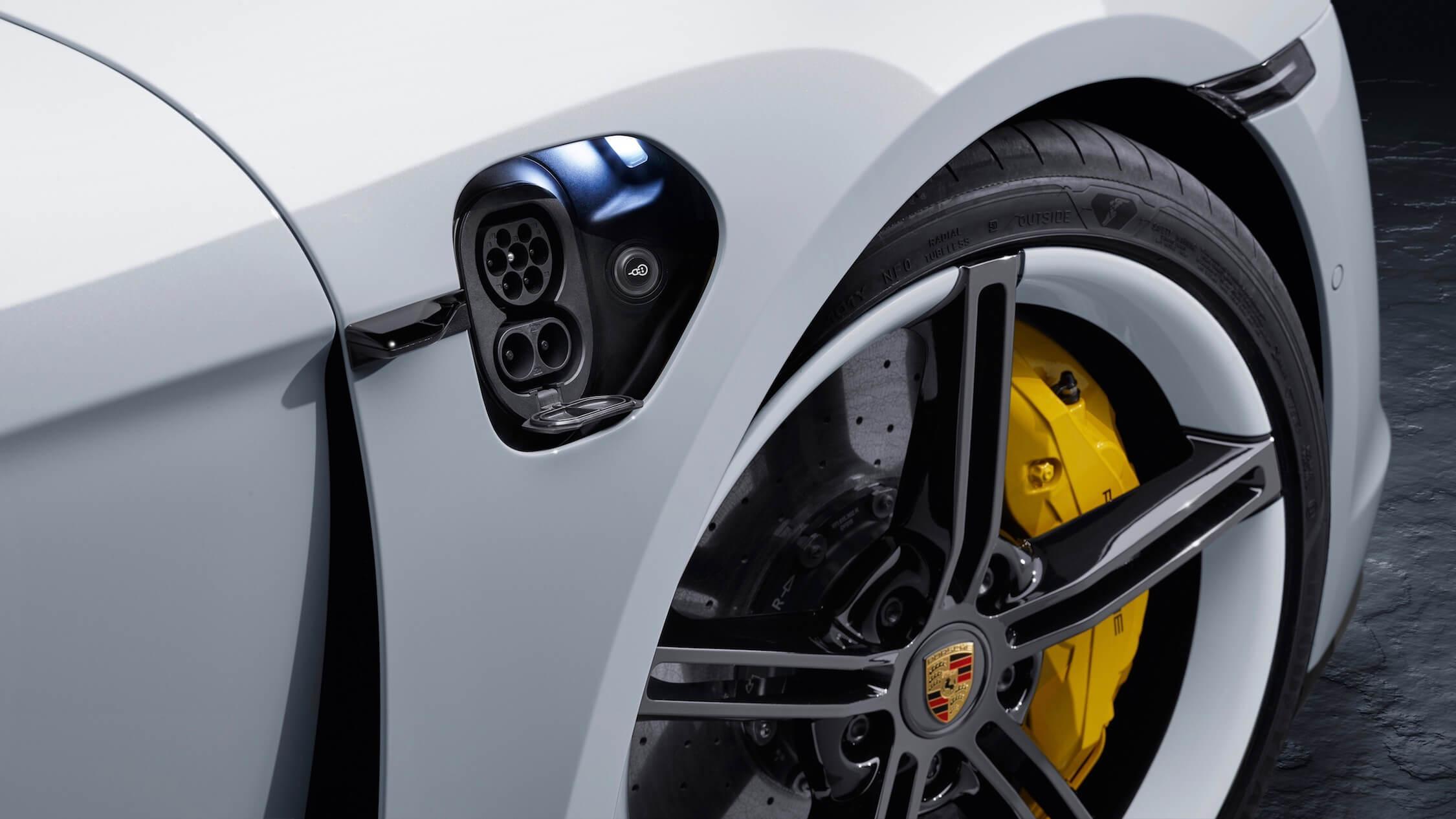 Porsche Taycan laad contact