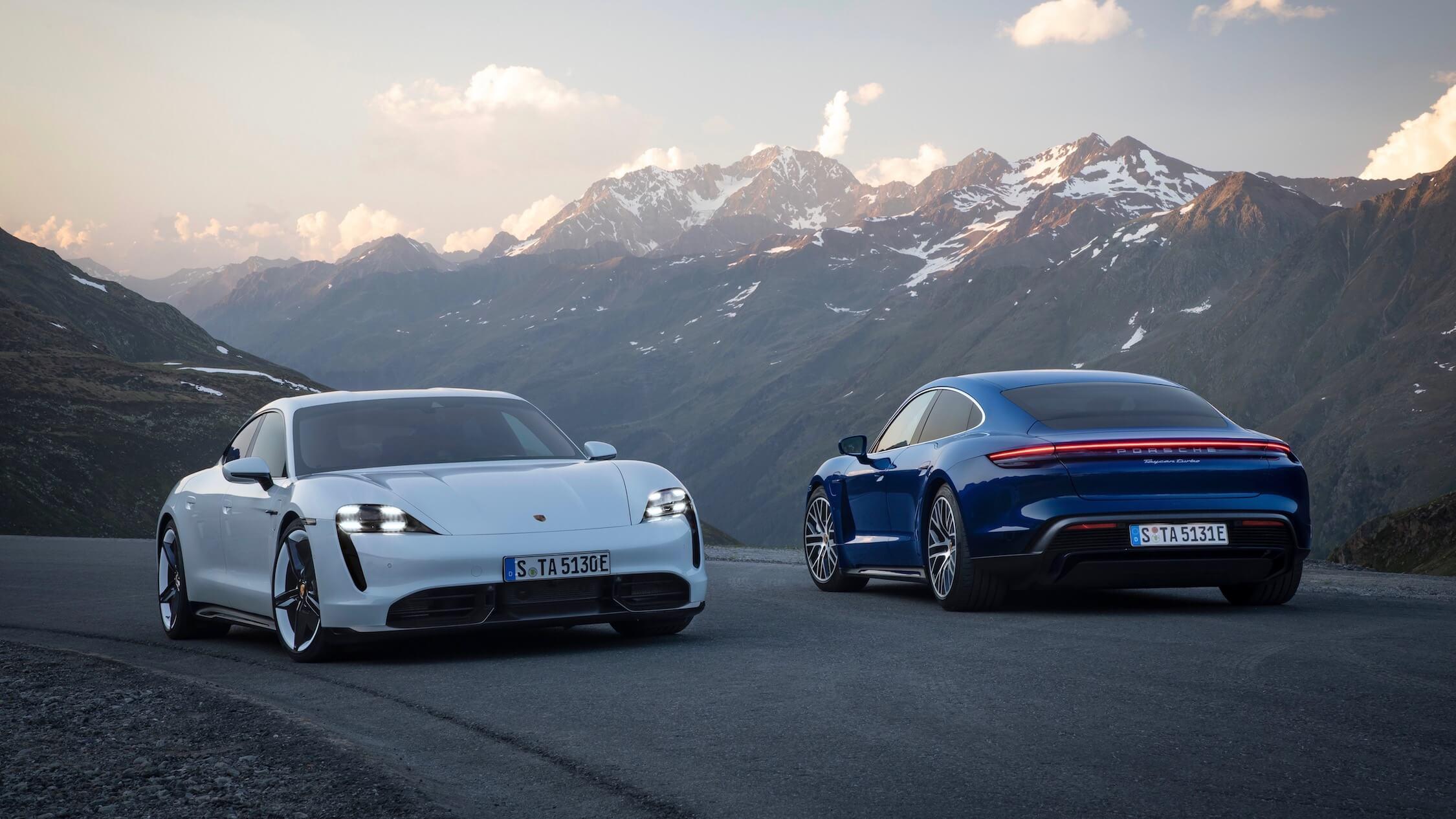 Porsche Taycan wit blauw