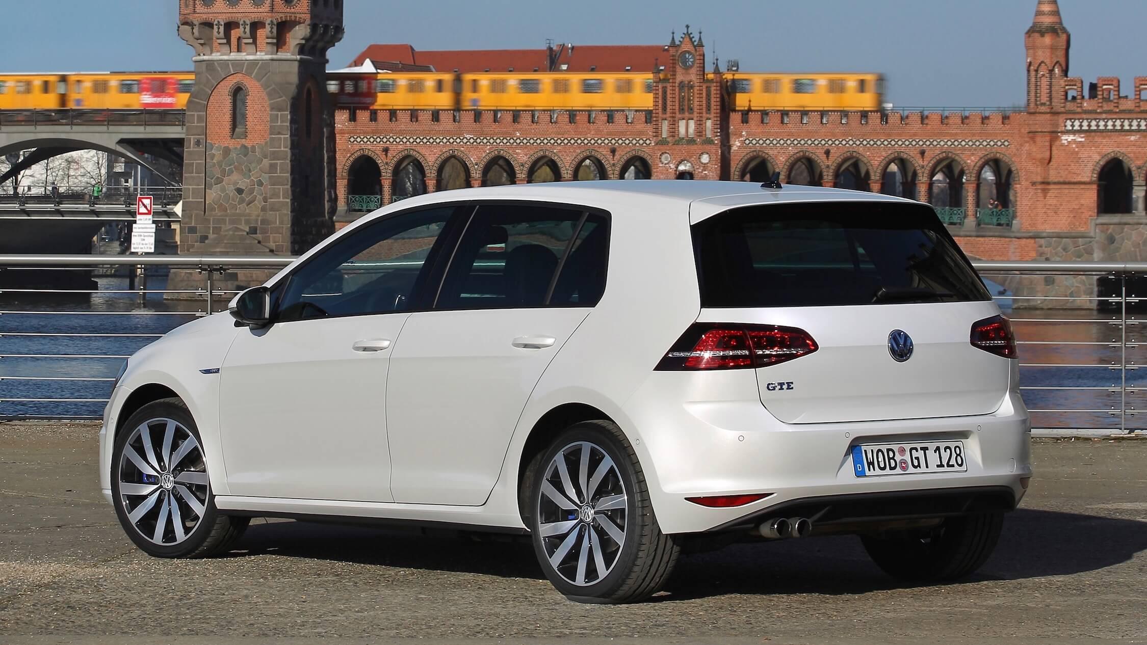 VW Golf GTE wit