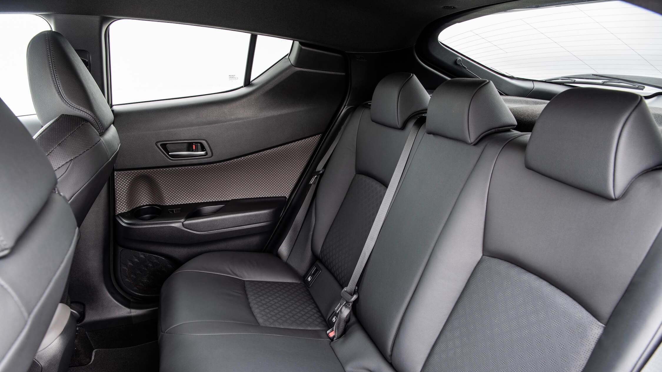 nieuwe Toyota C-HR achterbank