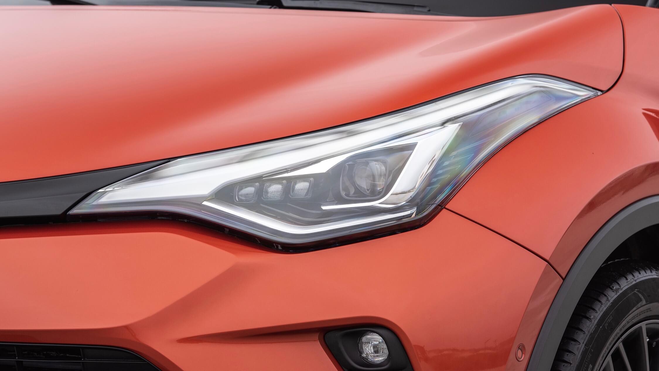 nieuwe Toyota C-HR koplamp