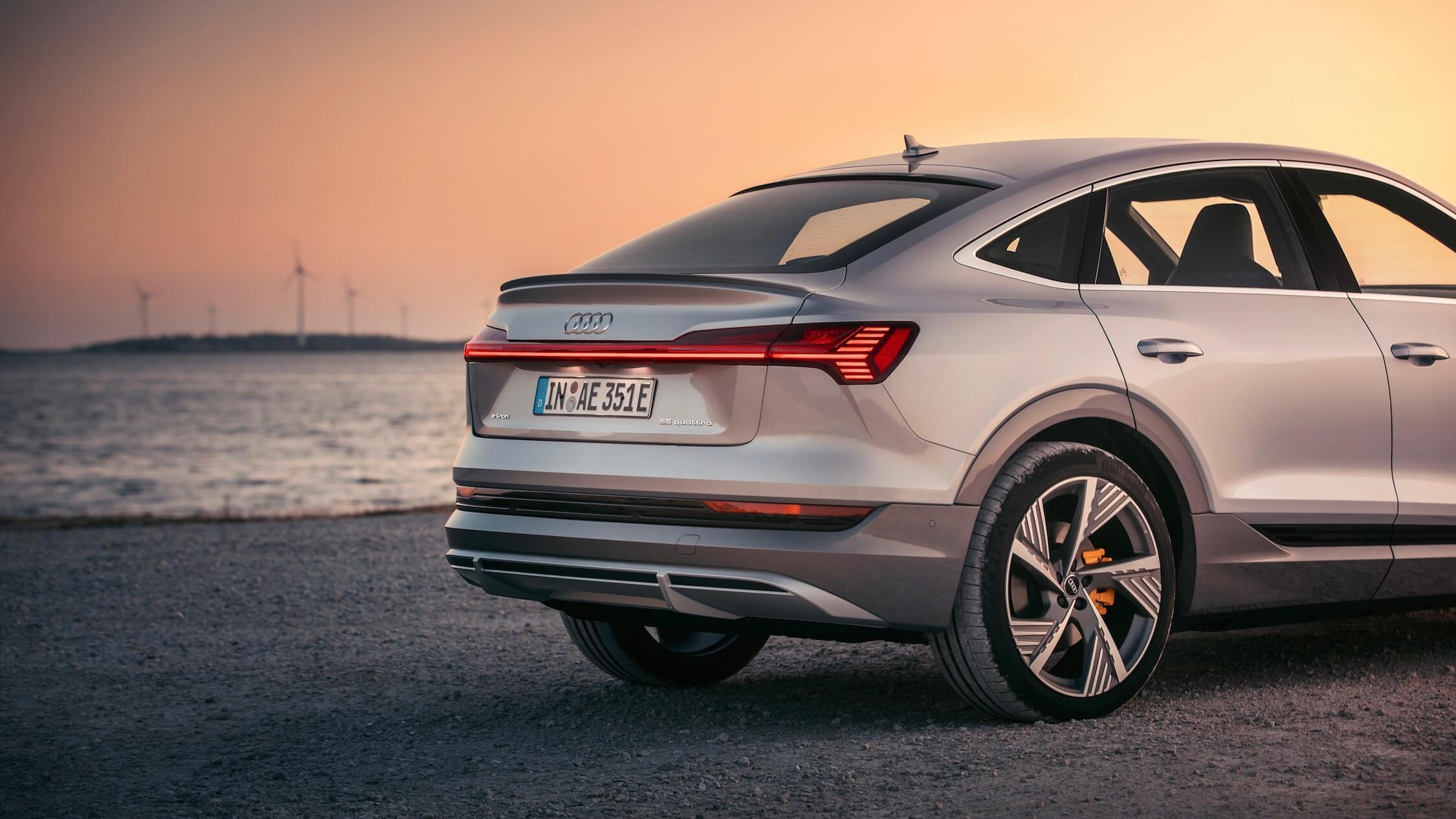 Audi e-tron Sportback achterkant