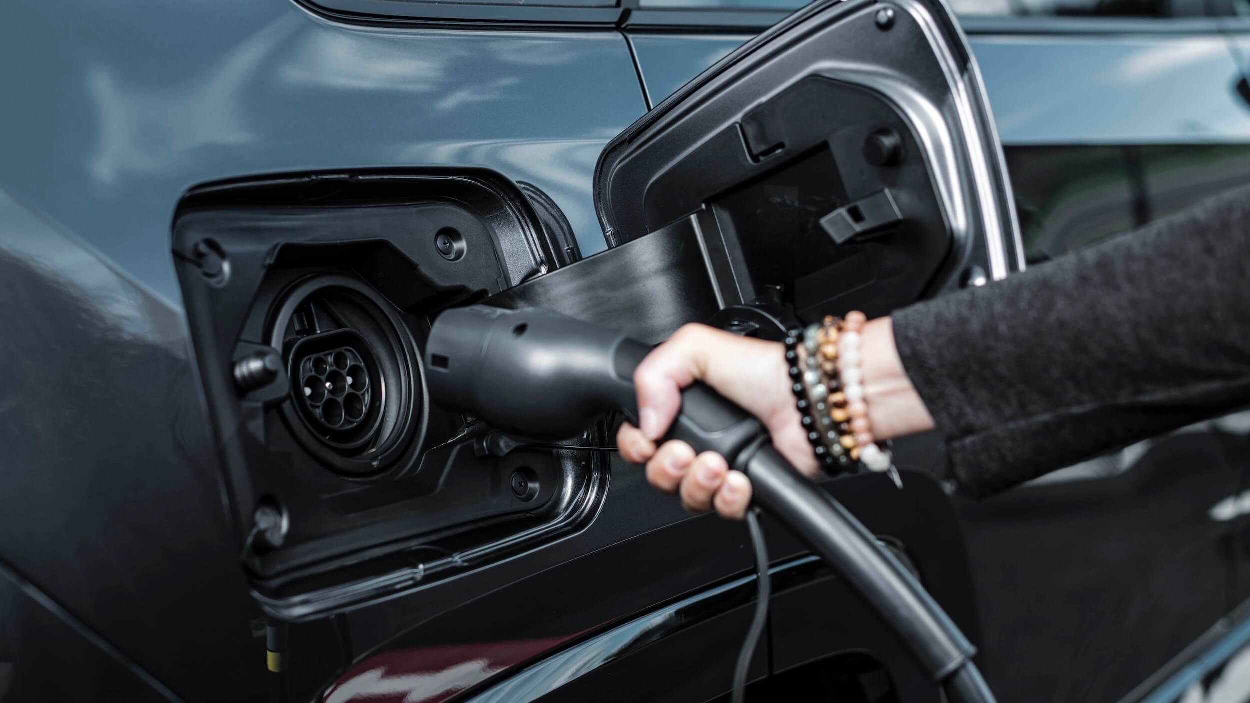 Toyota RAV4 Plug in hybride laadplug
