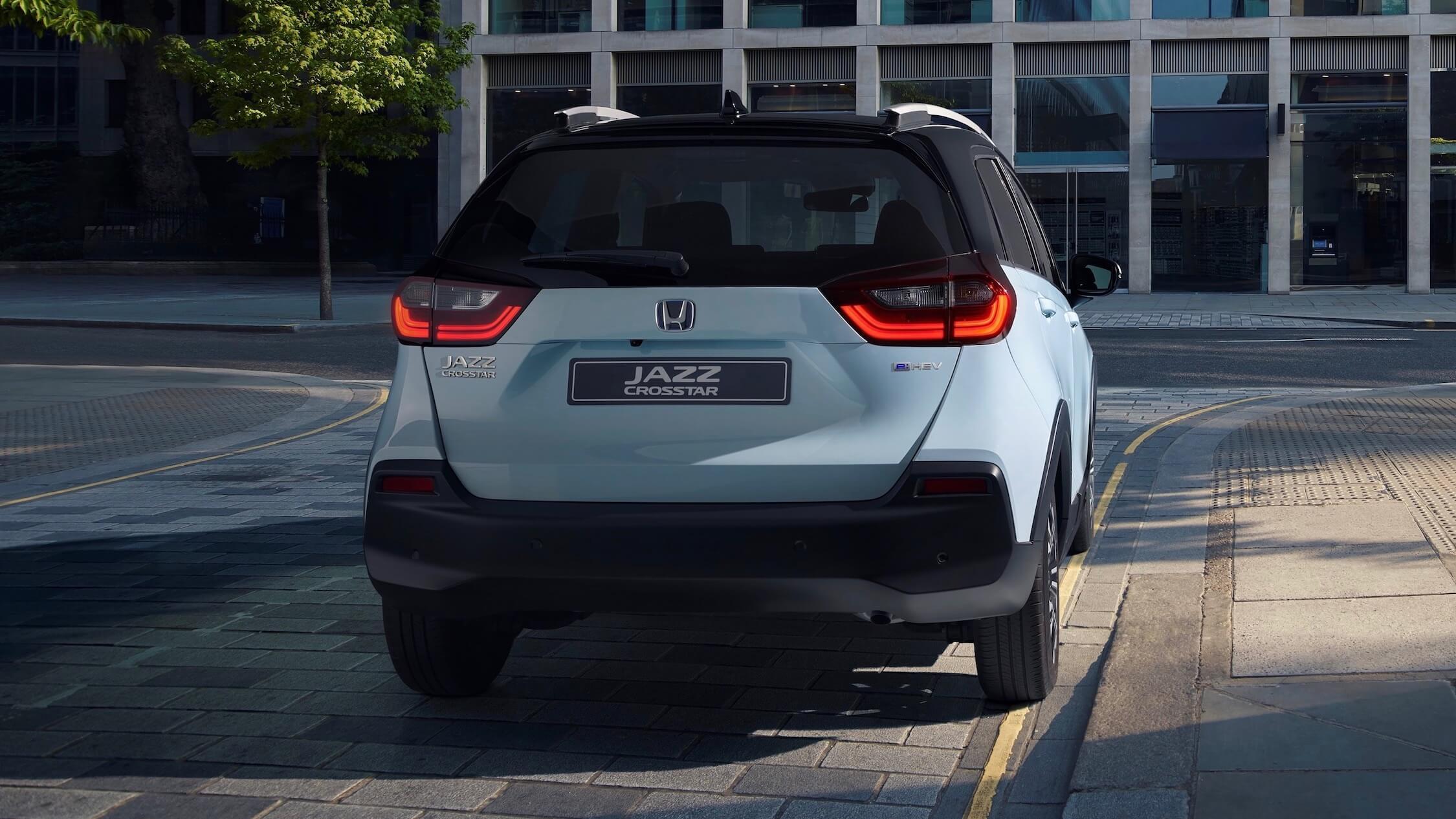 hybride Honda Jazz crosstar achterkant
