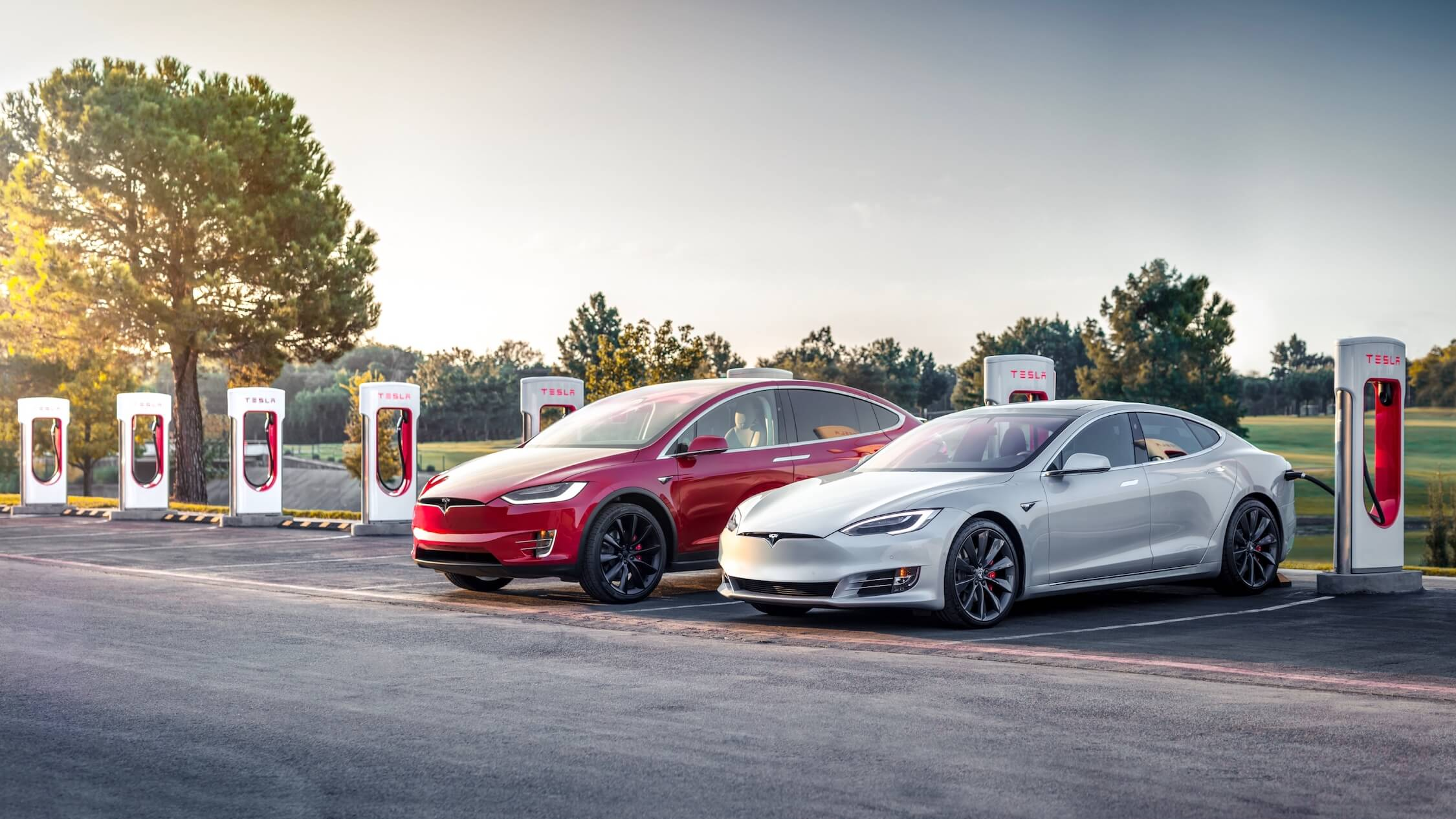 Tesla aan Superchargers