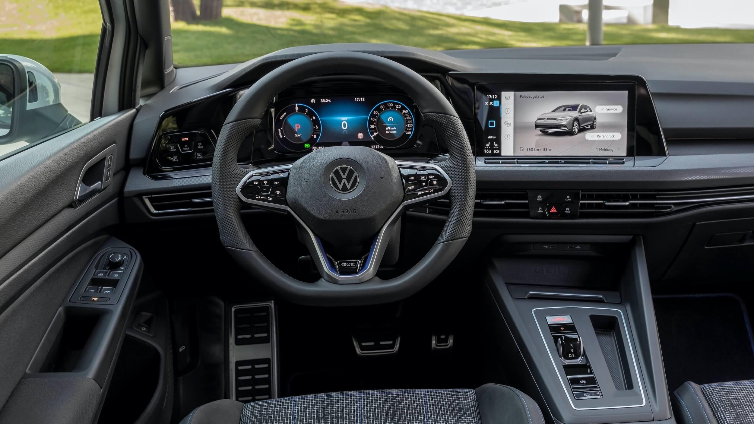 VW Golf VIII GTE interieur