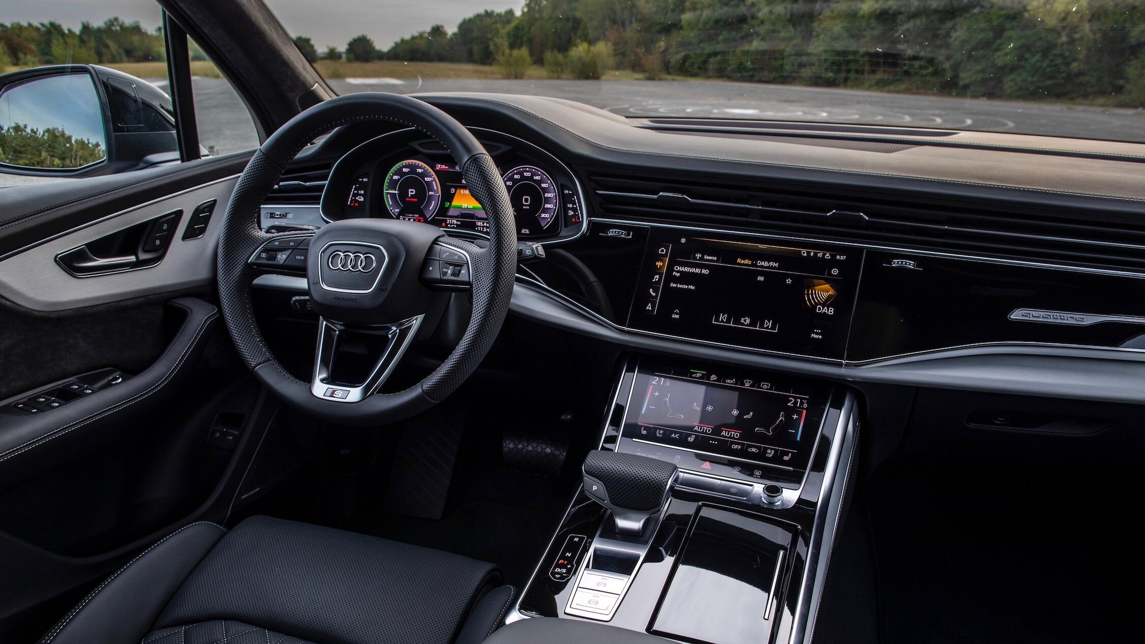 Hybride Audi Q7 60 TFSI-e interieur