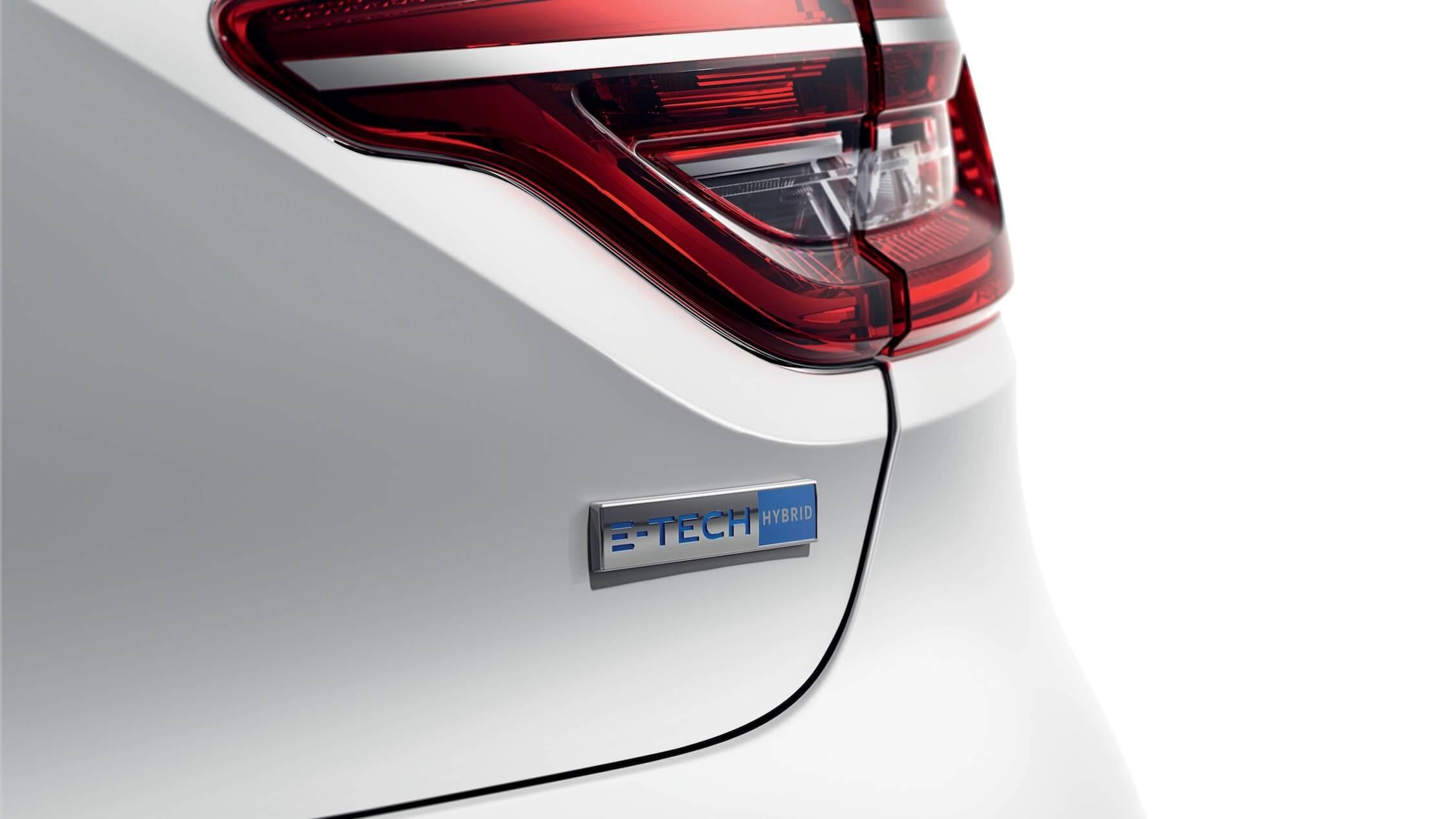 Hybride Renault Clio E-Tech logo op achterklep