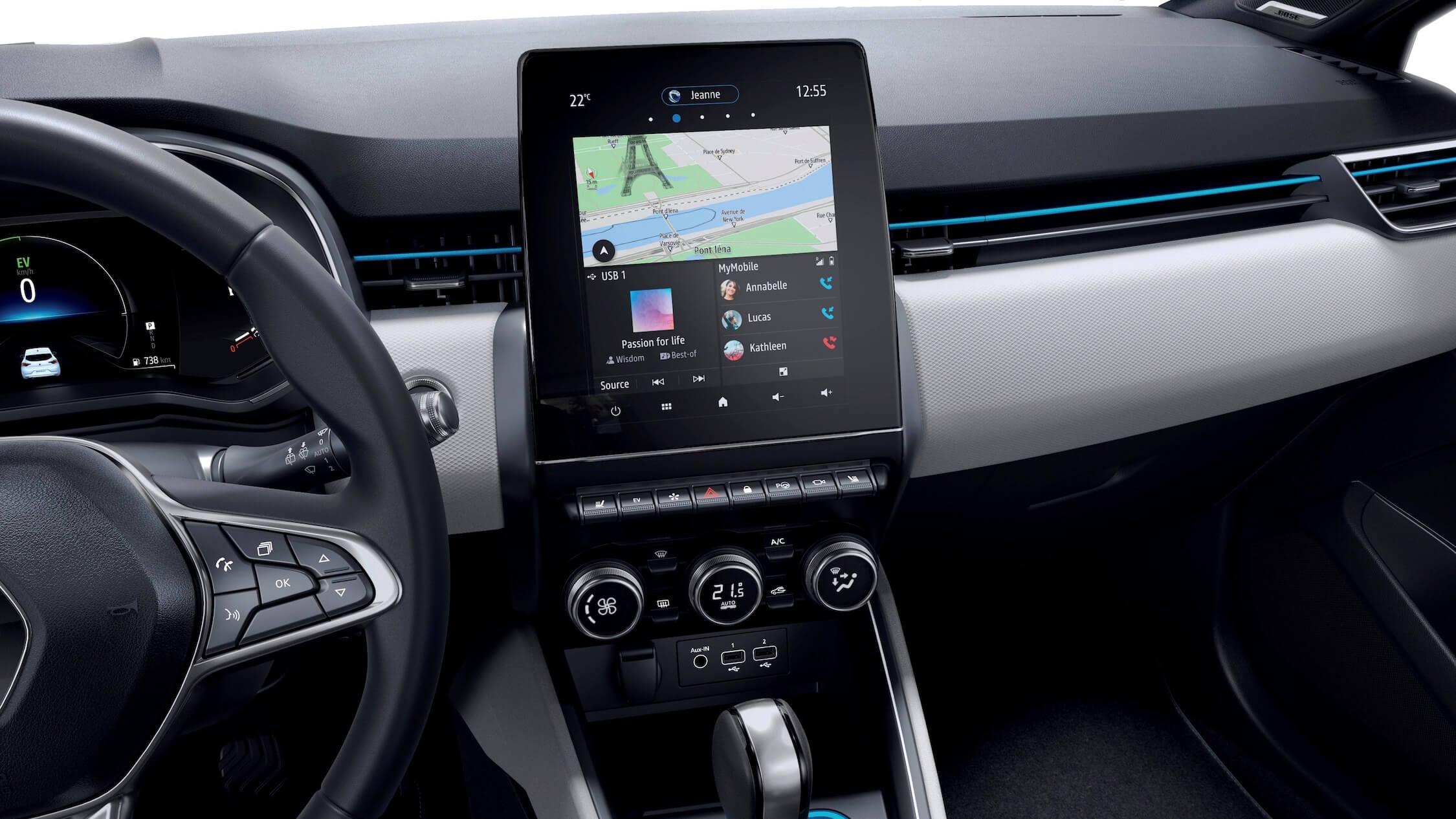 Hybride Renault Clio middenscherm op dashboard
