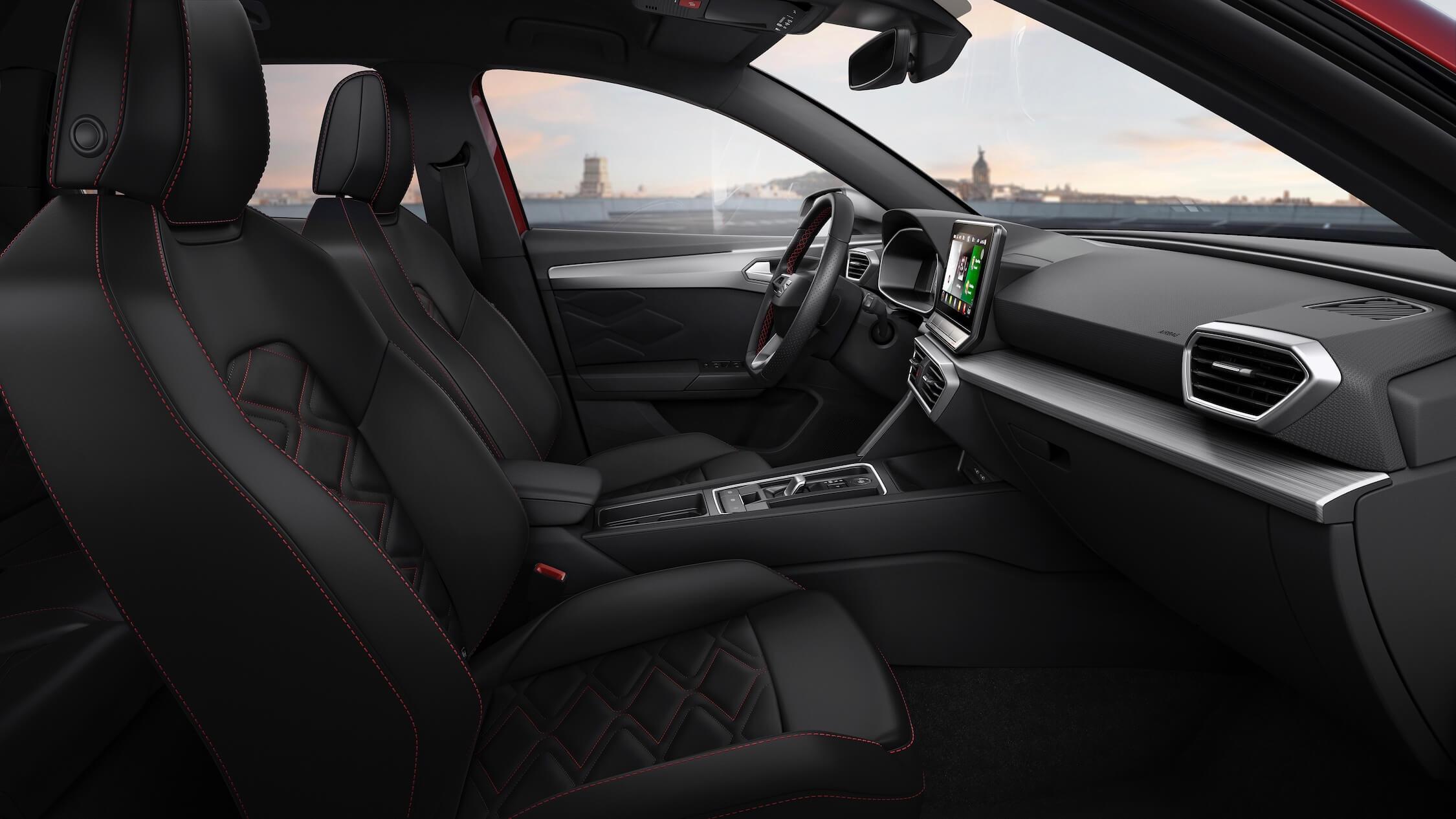 Nieuwe Seat Leon hybride interieur