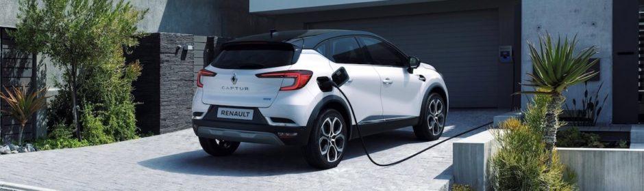Renault Captur hybride aan laadpaal