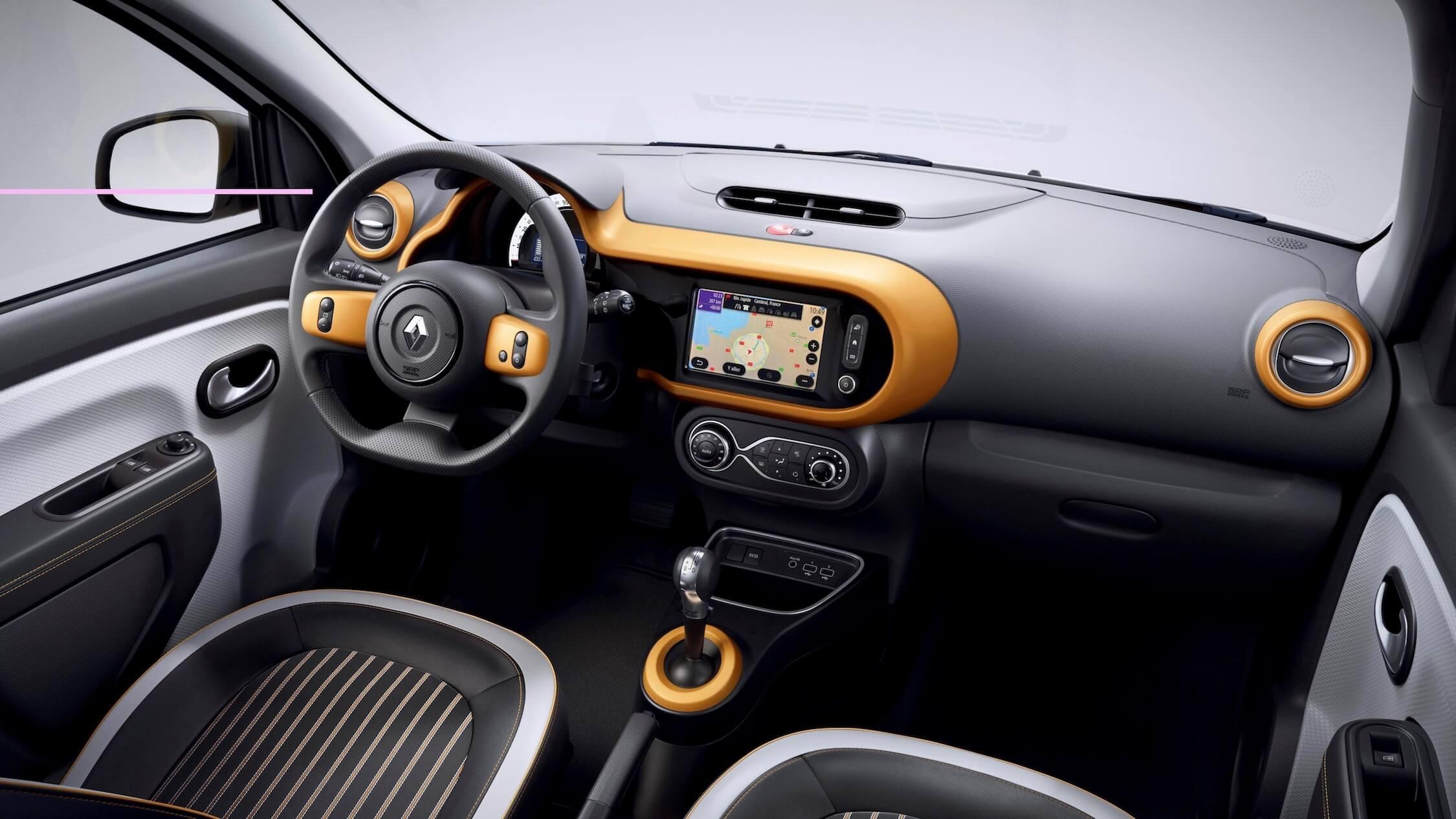 elektrische Renault Twingo ZE interieur oranje