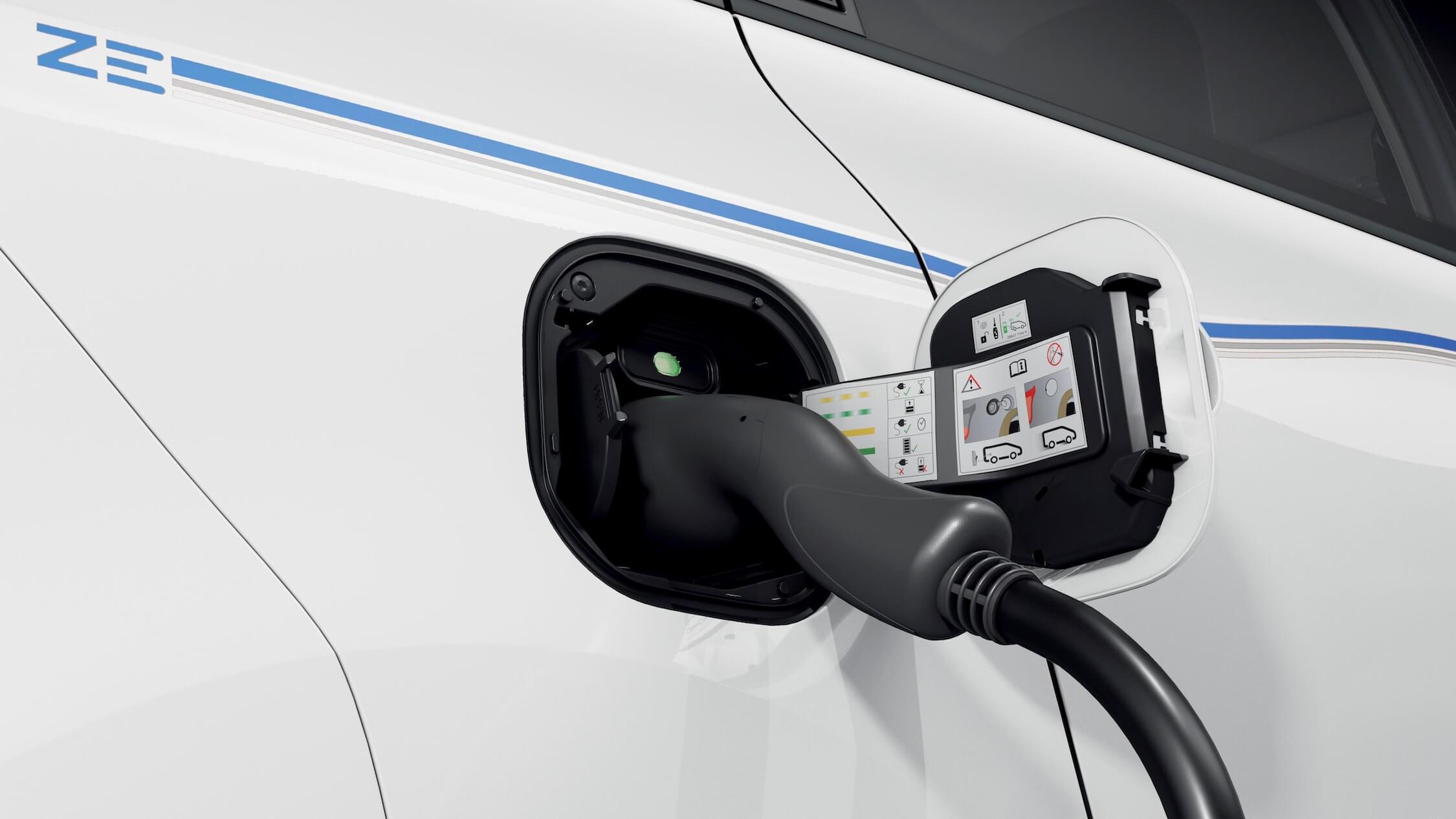 elektrische Renault Twingo ZE laad contact